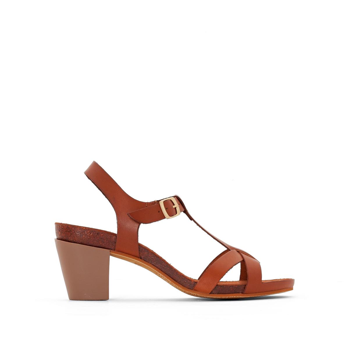 Босоножки на каблуке Pietra
