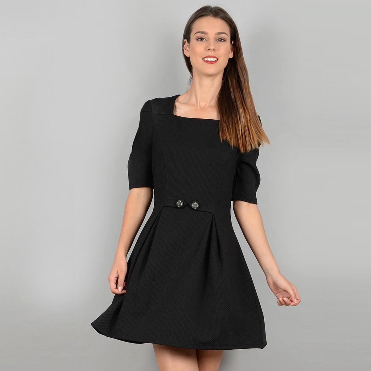 Платье короткое с короткими рукавамиОписание •  Форма : расклешенная •  короткое  •  Короткие рукава    •  Без воротника Состав и уход •  5% эластана, 95% полиэстера  •  Следуйте рекомендациям по уходу, указанным на этикетке изделия<br><br>Цвет: черный<br>Размер: M