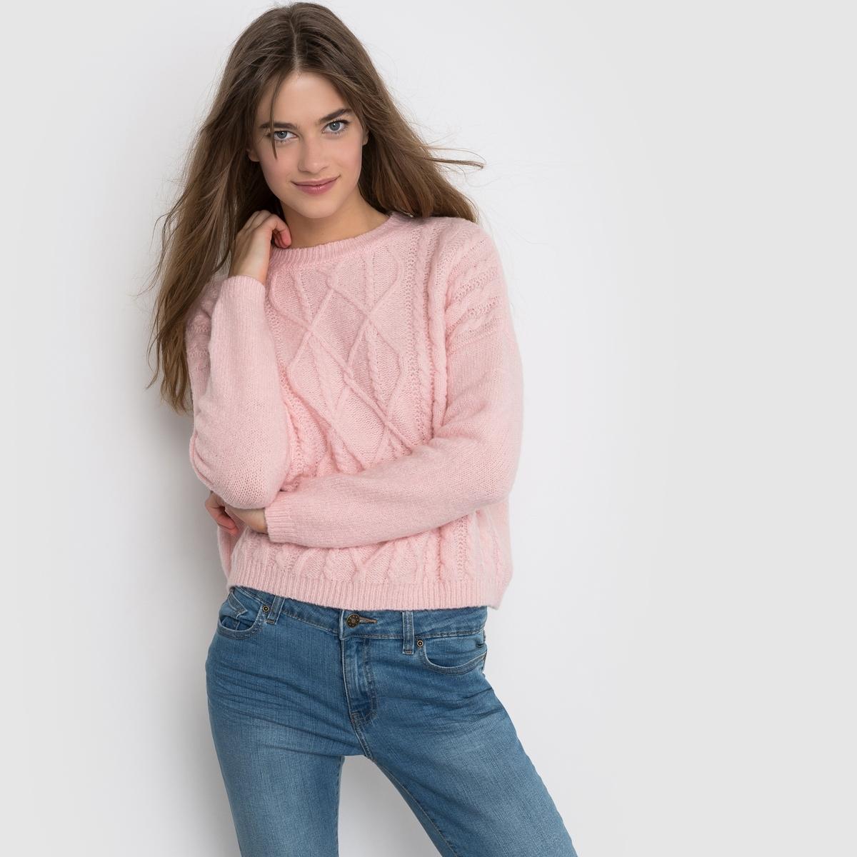 Пуловер короткий с узором косы