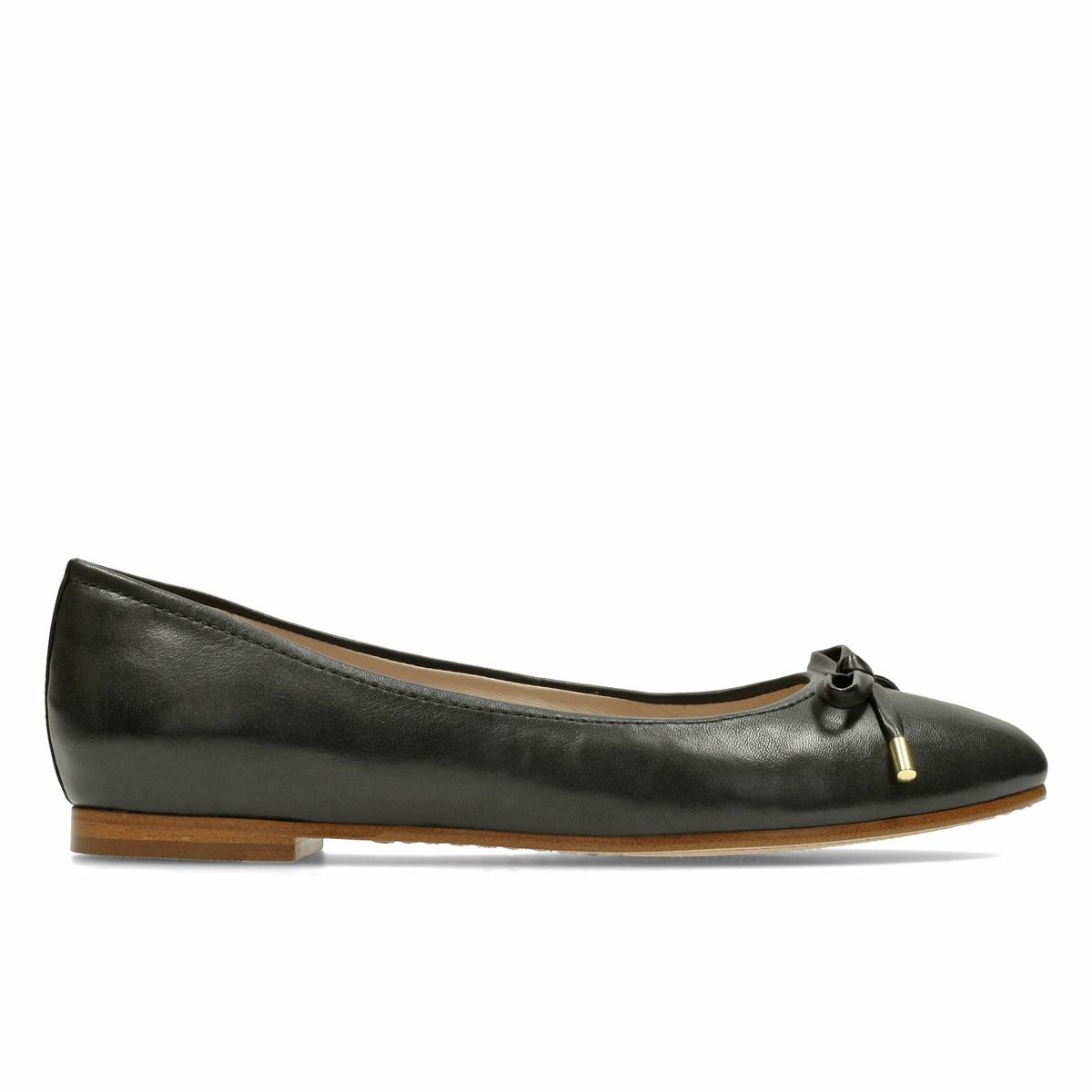 Балетки из кожи Grace LilyВерх : Кожа.   Подкладка : Кожа.   Стелька : Кожа.   Подошва : Каучук   Высота каблука : 1 см.   Форма каблука : плоский каблук   Мысок : закругленный   Застежка : Без застежки<br><br>Цвет: черный<br>Размер: 41.39