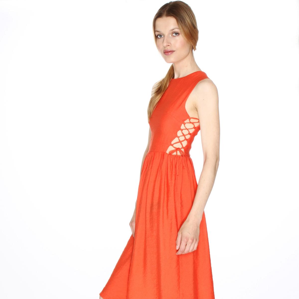 Платье расклешенное без рукавов, на шнуровке сбокуДетали  •  Форма : расклешенная   •  Длина до колен •  Тонкие бретели      •  Круглый вырезСостав и уход •  45% полиамида, 55% полиэстера   •  Следуйте советам по уходу, указанным на этикетке<br><br>Цвет: оранжево-красный