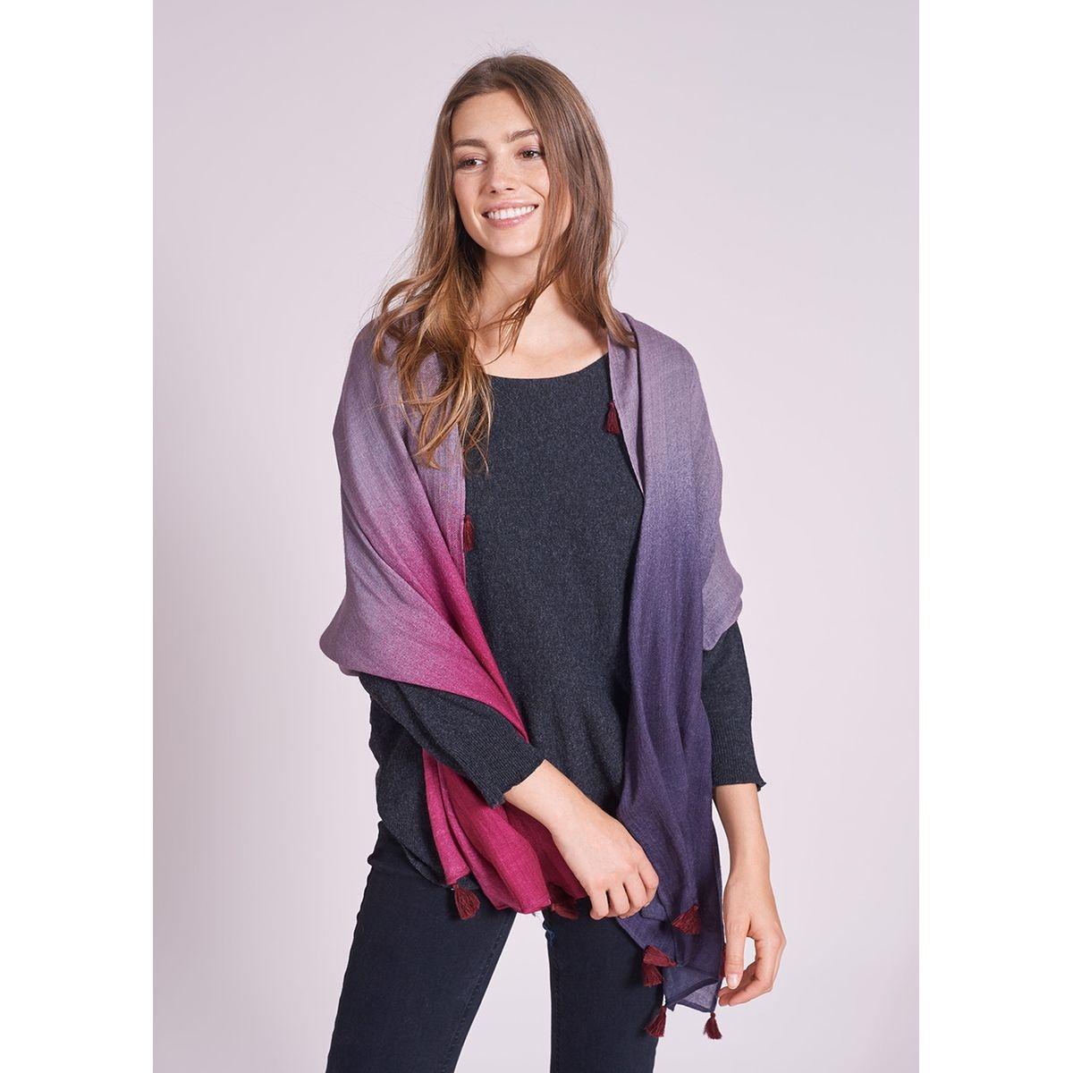 Foulard tricolore à pompons