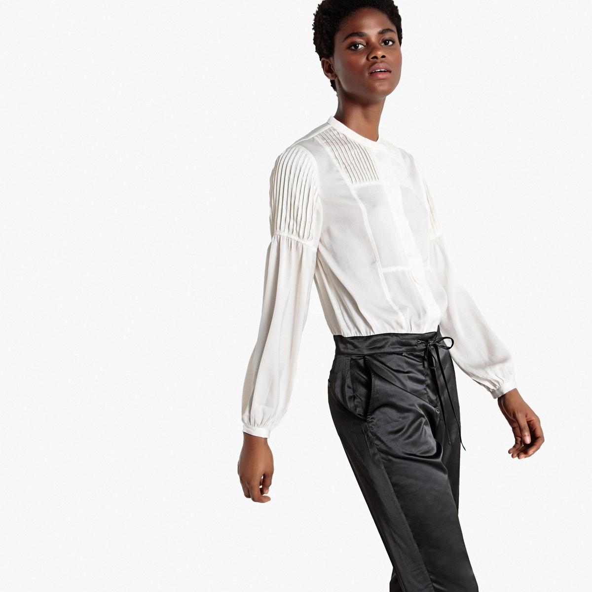 Macacão 2 em 1 com camisa em cetim plissada/calças