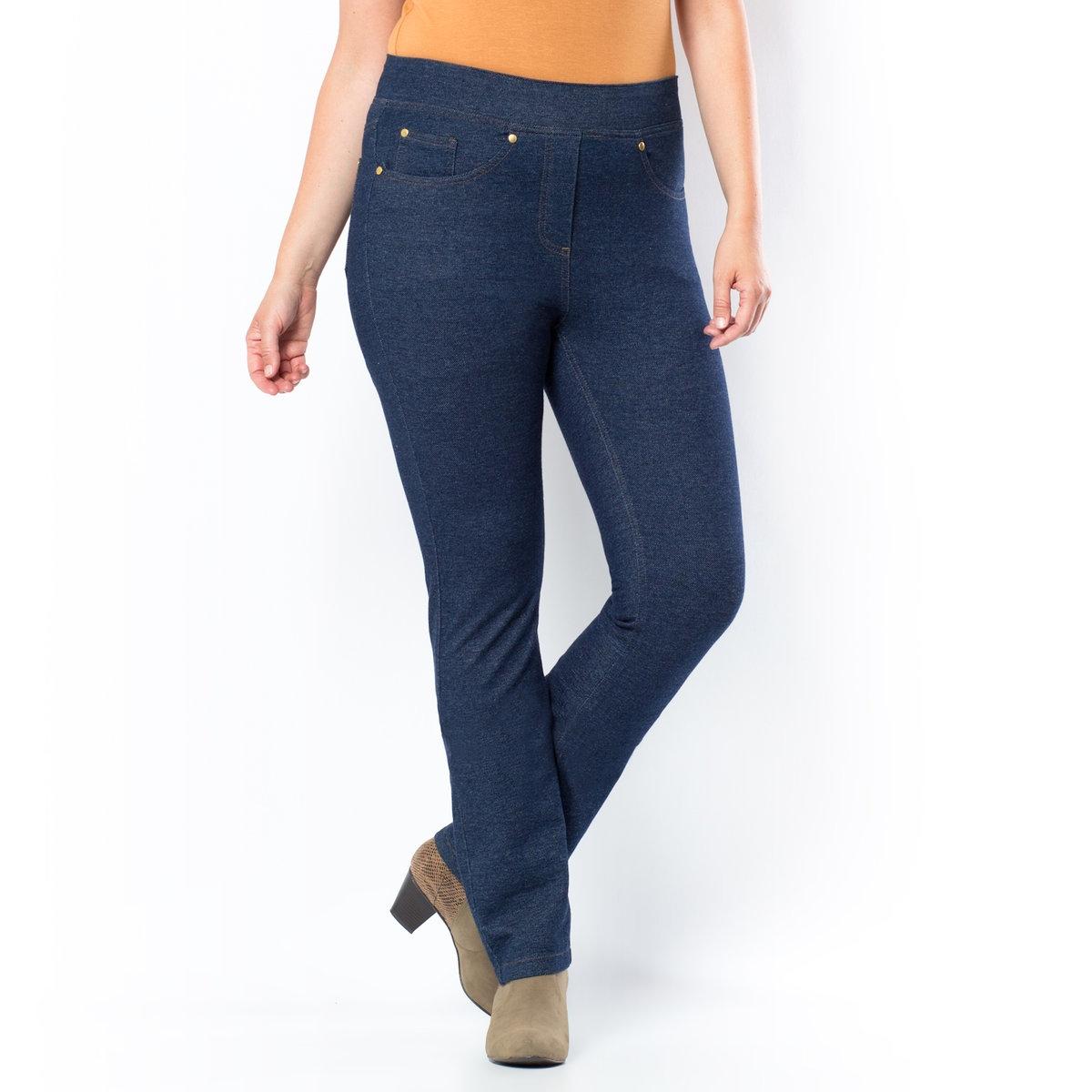 Джинсы прямыеДжинсы прямого кроя. Стиль джинсов и комфорт трикотажной ткани! 5 карманов. Ложные карманы спереди и обычные сзади. Легко надеваются благодаря эластичному поясу. Трикотаж: 97% хлопка, 3% эластана. Длина по внутр.шву 78 см, ширина по низу 17,5 см.<br><br>Цвет: темно-синий<br>Размер: 56 (FR) - 62 (RUS)