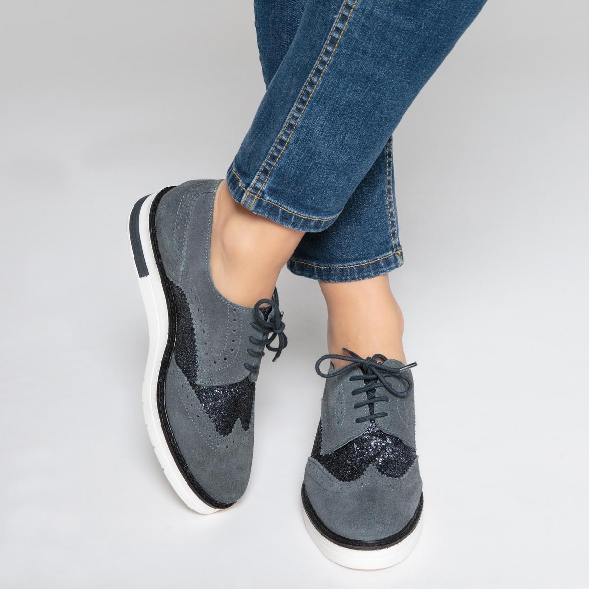 Ботинки-дерби кожаные на танкетке, с блесткамиОписание:Детали •  Ботинки-дерби •  Высота каблука : 2 см •  Застежка : шнуровка •  Круглый мысок •  Гладкая отделкаСостав и уход •  Верх 100% кожа •  Подкладка 100% текстиль •  Стелька 100% кожа •  Подошва 100% эластомерВнимание, эта обувь большемерит. Рекомендуем выбирать эту обувь на размер меньше, чем ваш обычный размер.<br><br>Цвет: сливовый/ серый,темно-серый<br>Размер: 36.40.41.37