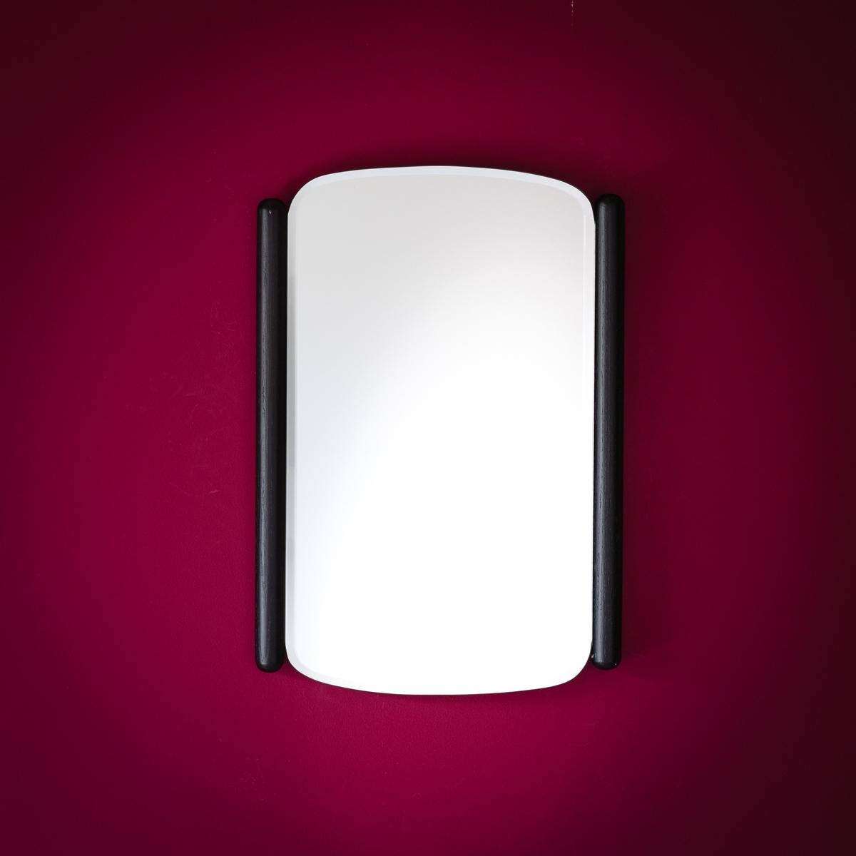Зеркало из дуба с черным покрытием Maison Sarah LavoineЗеркало из дуба с черным покрытием Maison Sarah Lavoine внесет завершенность в продуманный интерьер благодаря игре отблесков и света. Прекрасно смотрится отдельно или в сочетании с таким же зеркалом большего размера, представленным на сайте laredoute.ruОписание зеркала из дуба с черным покрытием Maison Sarah Lavoine :Зеркало со скошенными гранями  Характеристики зеркала из дуба с черным покрытием Maison Sarah Lavoine :Дуб с черным матовым покрытием Зеркало со скошенными гранями  Крепление для вертикального или горизонтального положения Всю коллекцию Maison Sarah Lavoine можно найти на сайте laredoute.ruРазмеры зеркала из дуба с черным покрытием Maison Sarah LavoineШирина 35 см.Высота 55 смТолщина 2 см<br><br>Цвет: черный
