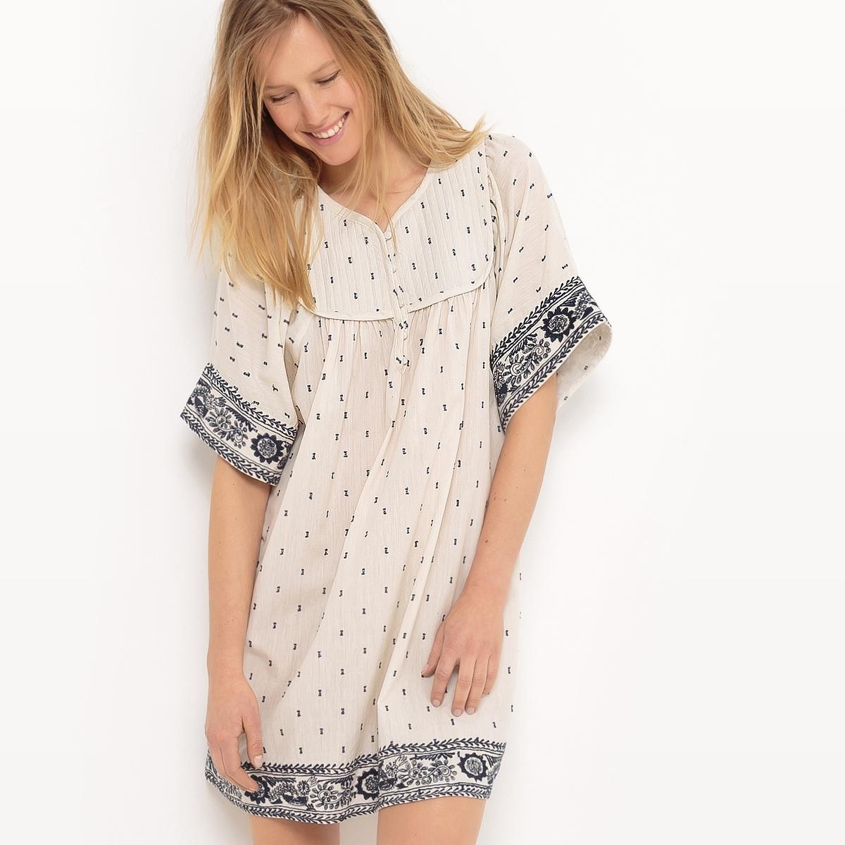 Платье вышитое, с короткими рукавамиМатериал : 100% хлопок             Длина рукава : Короткие рукава             Форма воротника : круглый вырез с разрезом спереди            Покрой платья : расклешенное платье            Рисунок : однотонная модель            Особенность материала : с вышивкой             Длина платья : до колен<br><br>Цвет: слоновая кость/синий<br>Размер: 44 (FR) - 50 (RUS).46 (FR) - 52 (RUS)