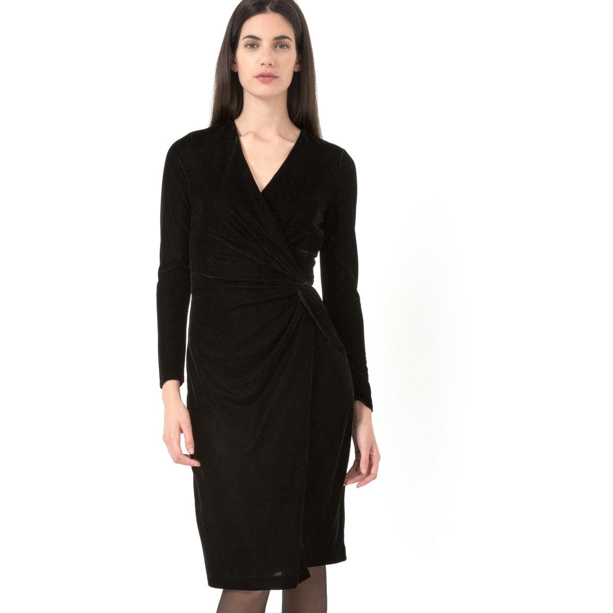 Платье из велюра с драпировкойПлатье облегающее. Длинные рукава. Глубокий V-образный вырез с перехлестом спереди, узел с драпировкой сбоку на поясе, низ с эффектом футляра. Длина 95 см. Подкладка из полиэстера. Платье из стретчевого велюра, 95% полиэстера , 5% эластана. Бренд: LAURA CLEMENT.<br><br>Цвет: черный