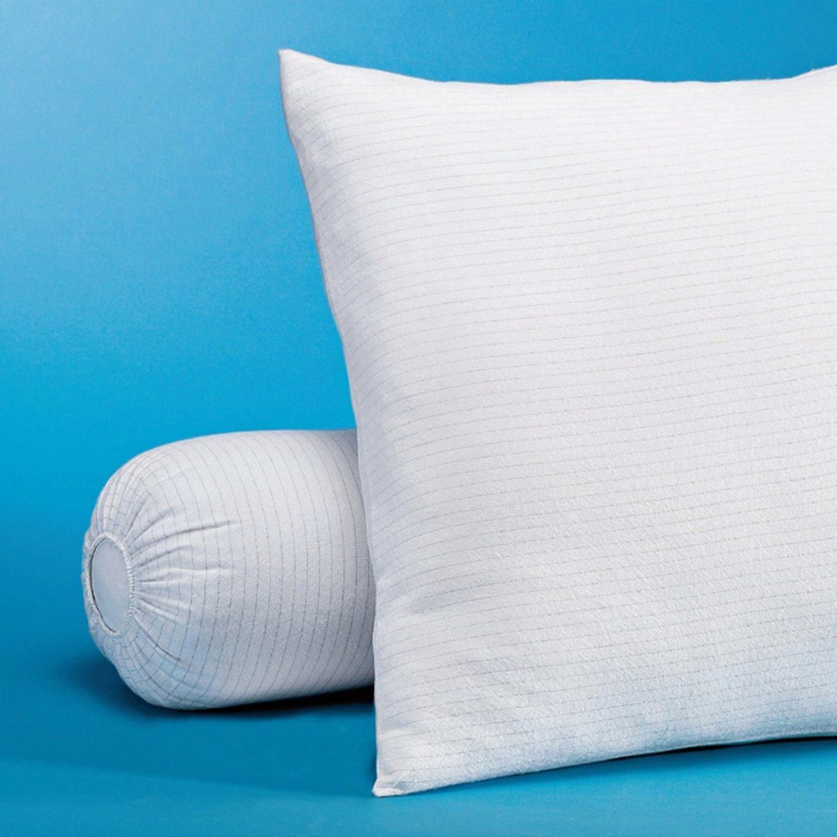 Чехол защитный на подушку из мольтонаЗащитный чехол на подушку из мольтона защищает Ваши постельные принадлежности и снимает статическое электричество для более спокойного и глубокого сна.Защитный чехол на подушку из мольтона, 99% хлопка, 1% карбона, с начесом с обеих сторон (220 г/м?).Машинная стирка при 60 °С.Защитный чехол из мольтона - это качество VALEUR S?RE.<br><br>Цвет: белый<br>Размер: 65 x 65  см