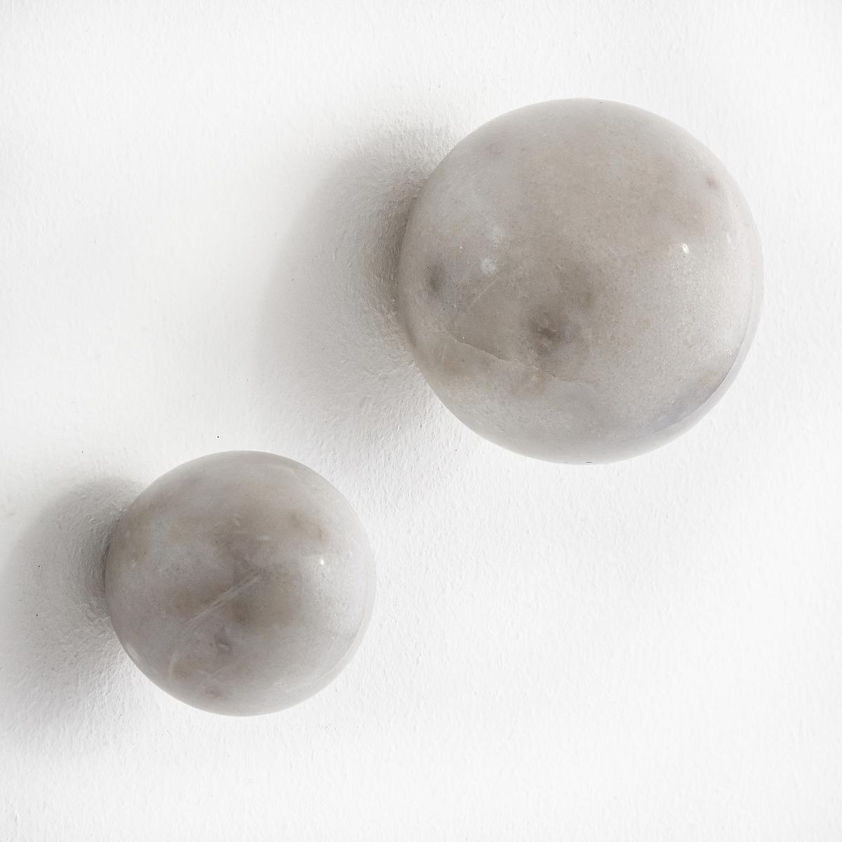 2 вешалки мраморные AmericiКомплект из 2 вешалок Americi. Два строгих и элегантных мраморных шара, на которые можно повесить Вашу одежду. - Шурупы и дюбеля не прилагаются.. В комплекте 2 размера: ?5 см и ?7 см.<br><br>Цвет: белый мрамор