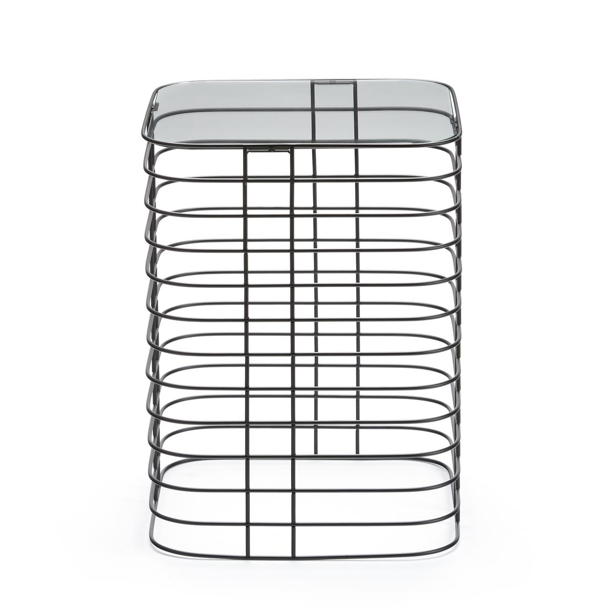 Столик журнальный из проволоки, CubilumЖурнальный столик Cubilum. Столик в индустриальном стиле в форме клетки из металлической проволоки можно использовать в качестве прикроватного или журнального.Описание : -  Металлический каркас с эпоксидным покрытием черного матового цвета- Верхняя столешница из каленого стекла- Поставляется в собранном видеРазмеры : - Ш37,9 x В50,9 x Г37,9 см<br><br>Цвет: черный