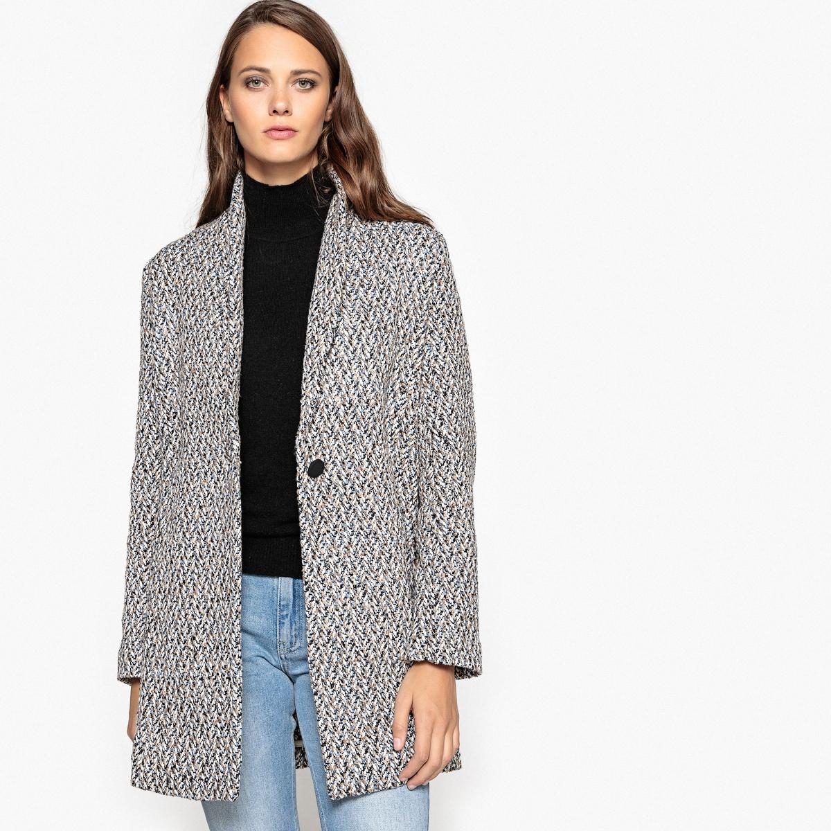 Пальто средней длиныОписание:Стильное и удобное пальто SUNCOO. Симпатичный шалевый воротник и зигзагообразный рисунок в крапинку . 2 незаметных кармана . Женское пальто с застежкой на 1 пуговицу .Детали •  Длина : средняя •  Шалевый воротник • Застежка на пуговицыСостав и уход •  100% полиэстер •  Следуйте рекомендациям по уходу, указанным на этикетке изделия<br><br>Цвет: серый меланж<br>Размер: M
