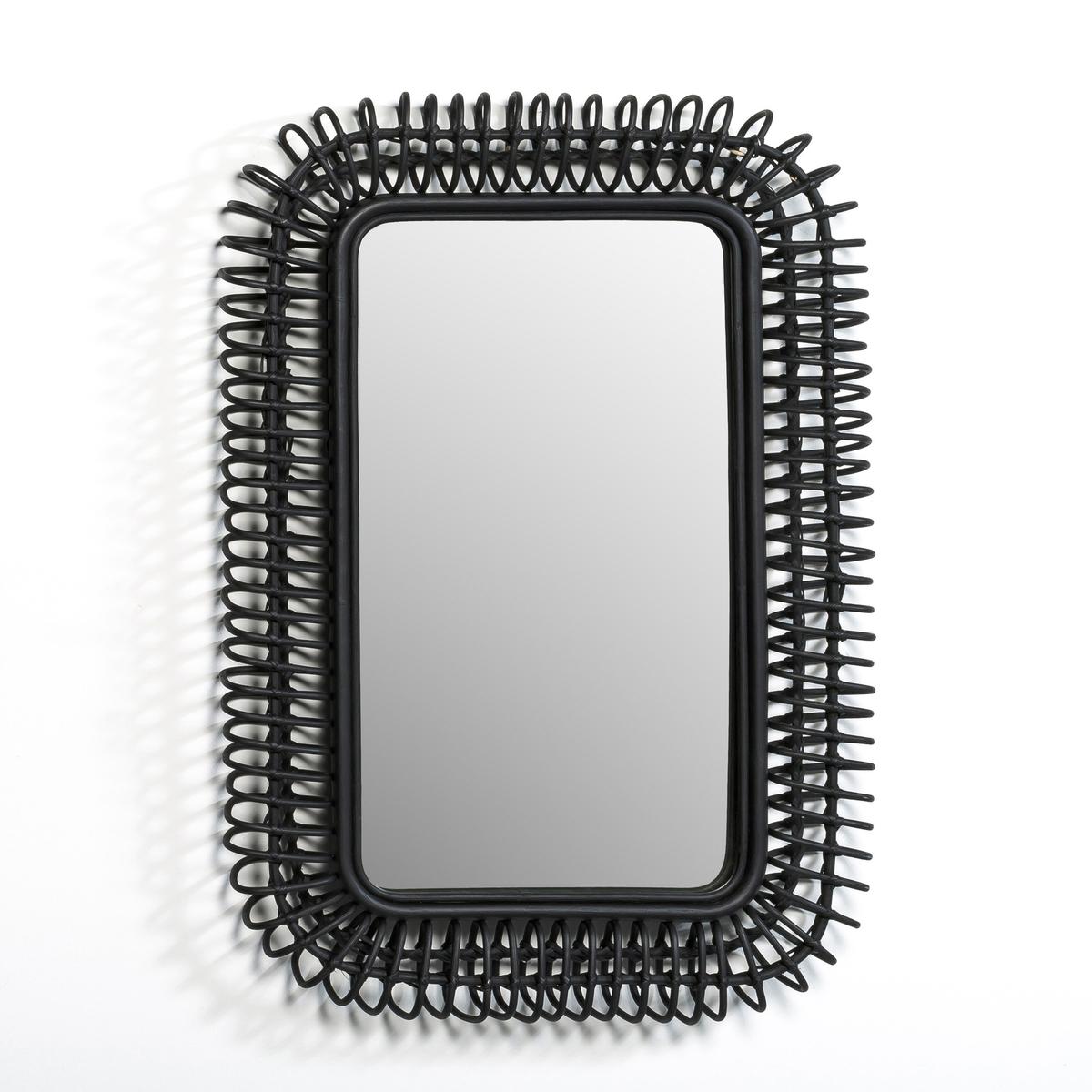 Зеркало из ротанга Д90 x В60 см, TarsileЗеркало Tarsile. Добавит естественных штрихов в ваш интерьер… Используется отдельно или с зеркалами других размеров Tarsile, представленными на сайте.  Характеристики: : - Из ротанга натурального или черного цвета, задняя часть из МДФ. - Крепится на стене с помощью 2 пластин. - Вешается горизонтально или вертикально. Размеры : - Ш 90 x В 60 x Г 7 см.    Размеры и вес упаковки : - Ш 61,5 x В 93 x Г 11 см, 5,8 кг<br><br>Цвет: черный