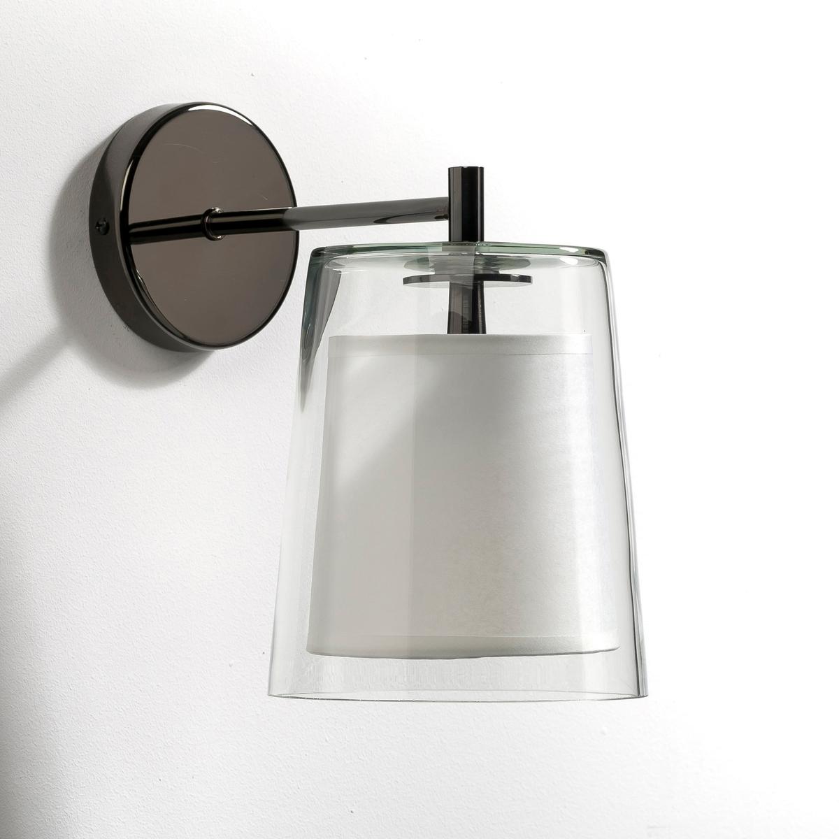 Светильник, DuoСветильник Duo, творение Эммануэля Галлины эксклюзивно для AM.PM  . Светильник из стекла, Абажур из бумаги калька внутри . Рассеянный, мягкий и теплый свет .Дизайнер - Эммануэль Галлина. Элегантность, очевидность и простота - это его ключевые понятия. Для него важны детали, чтобы запечатлеть каждое мгновение в линиях, форме и функциональности. Характеристики : - Подставка из хромированного металла темно-серого цвета  . - Патрон E14 для флюокомпактной лампочки макс 11W (не входит в комплект)  . - Совместима с лампочками электрического класса  A.     Размеры : - ?14,5 x 23,5 x 23,5 см<br><br>Цвет: прозрачный