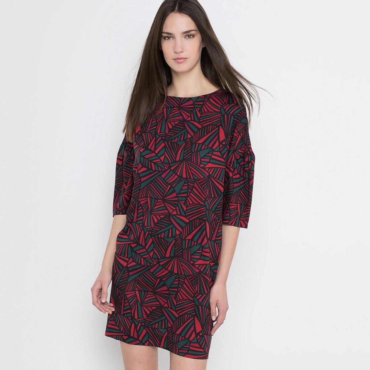 Платье свободное с графичным рисунком