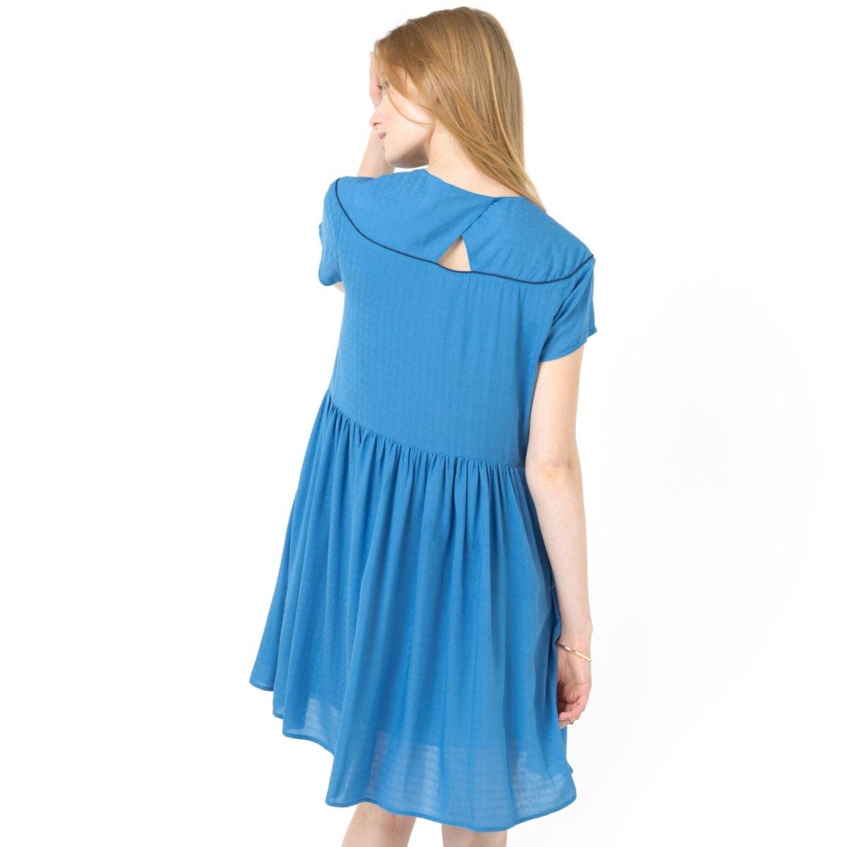 Платье широкого покрояПлатье из 100% вискозы. Короткие рукава. V-образный вырез. Стильные детали сзади. Отрезное по талии. Подкладка из вуали, 100% хлопка. Длина 90 см.<br><br>Цвет: синий,слоновая кость<br>Размер: 38 (FR) - 44 (RUS).44 (FR) - 50 (RUS)