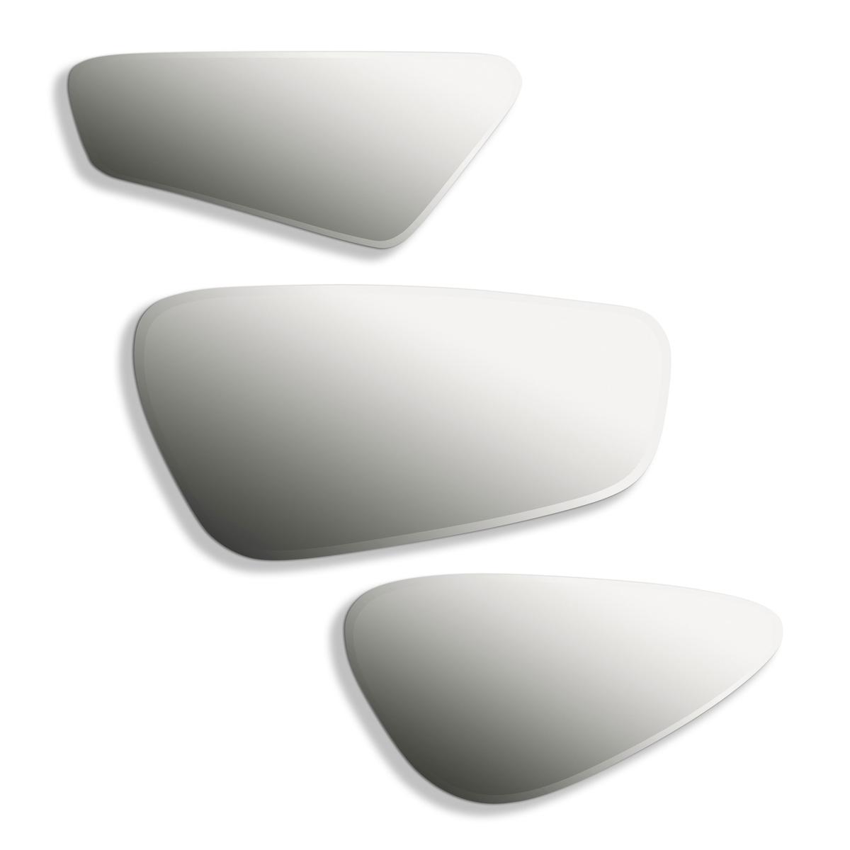 Зеркало Euredice (комплект из 3 зеркал)Комплект из 3 зеркал со скошенными гранями  трех различных форм . Большое: В..45,5 x Д.23,5 см.. Среднее : В..38,5 x Д.16,5 см.. Маленькое : В..37,5 x 19,5 см .Комплект из 3 разных зеркал .<br><br>Цвет: стеклянный