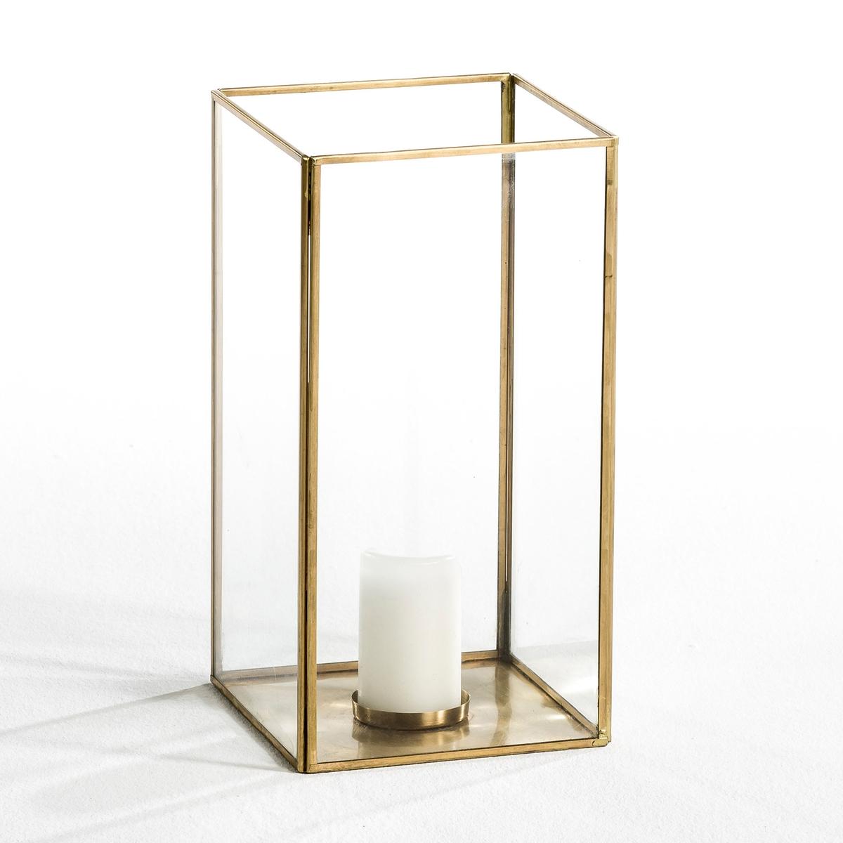 Абажур для свечи Misia, средняя модельКаркас из металла с отделкой латунью и стекла толщиной 2 мм. Подходит для свечей диаметром 10 см и высотой 15 см. Размеры:  Д.15 x В.30 см x Г.15 см.<br><br>Цвет: латунь