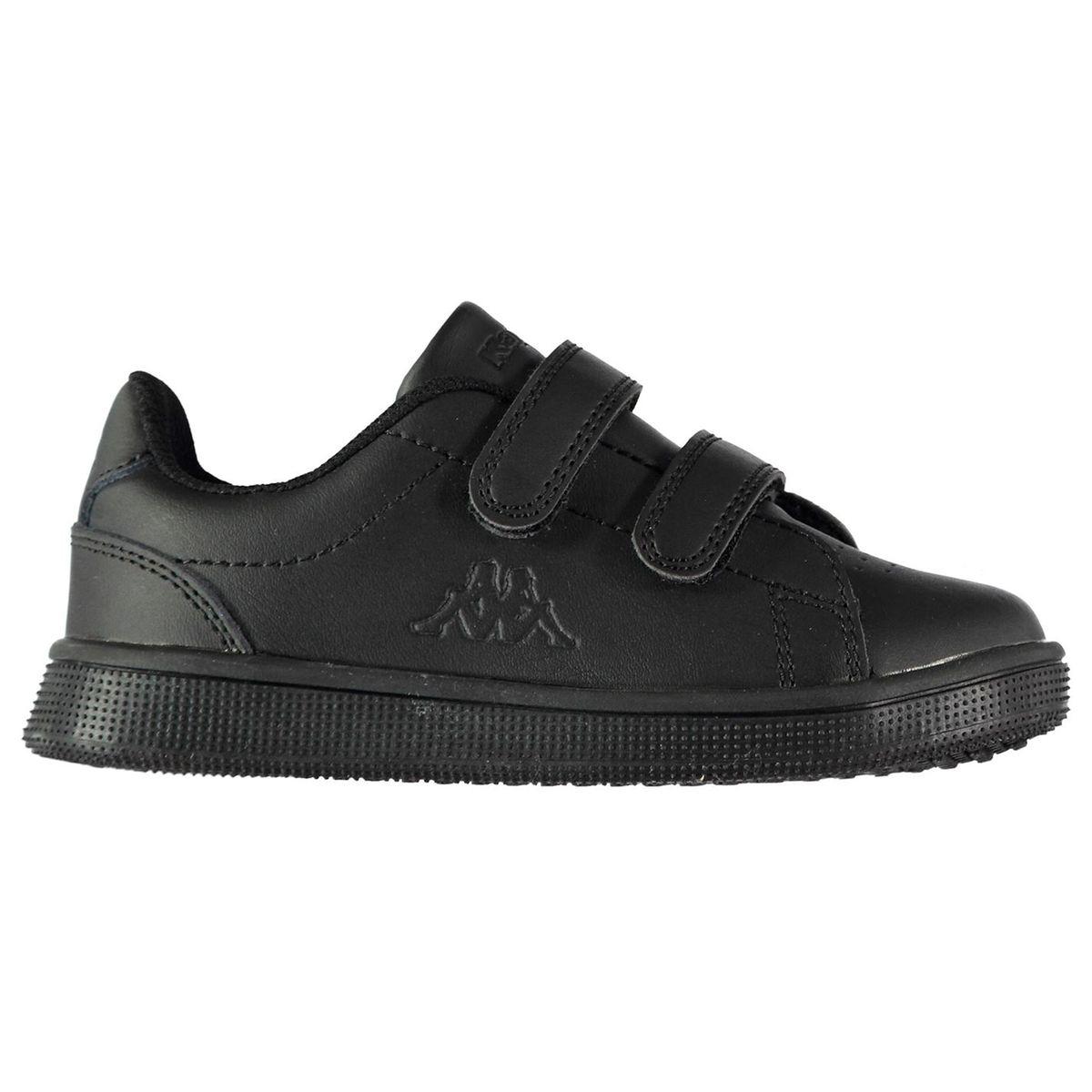 Chaussures de sport en salle