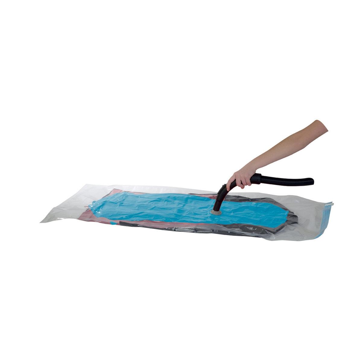 2 чехла вакуумных плоскихХарактеристики защитного вакуумного чехла:выполнены из прозрачного полиэтилена и акрилового волокна.Цветной вкладыш для быстрой идентификации.Антивозвратный клапан.Вакуумные чехлы совместимы с любой моделью пылесоса.Размер 1 вакуумного чехла:Разм. 120 x 65 см.<br><br>Цвет: бесцветный