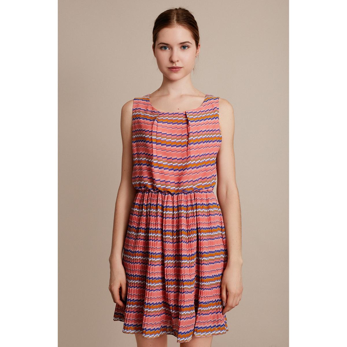 Платье с рисунком без рукавовХарактеристики и описание    Материал         100% полиэстера        Марка    MIGLE+ME<br><br>Цвет: синий/ розовый