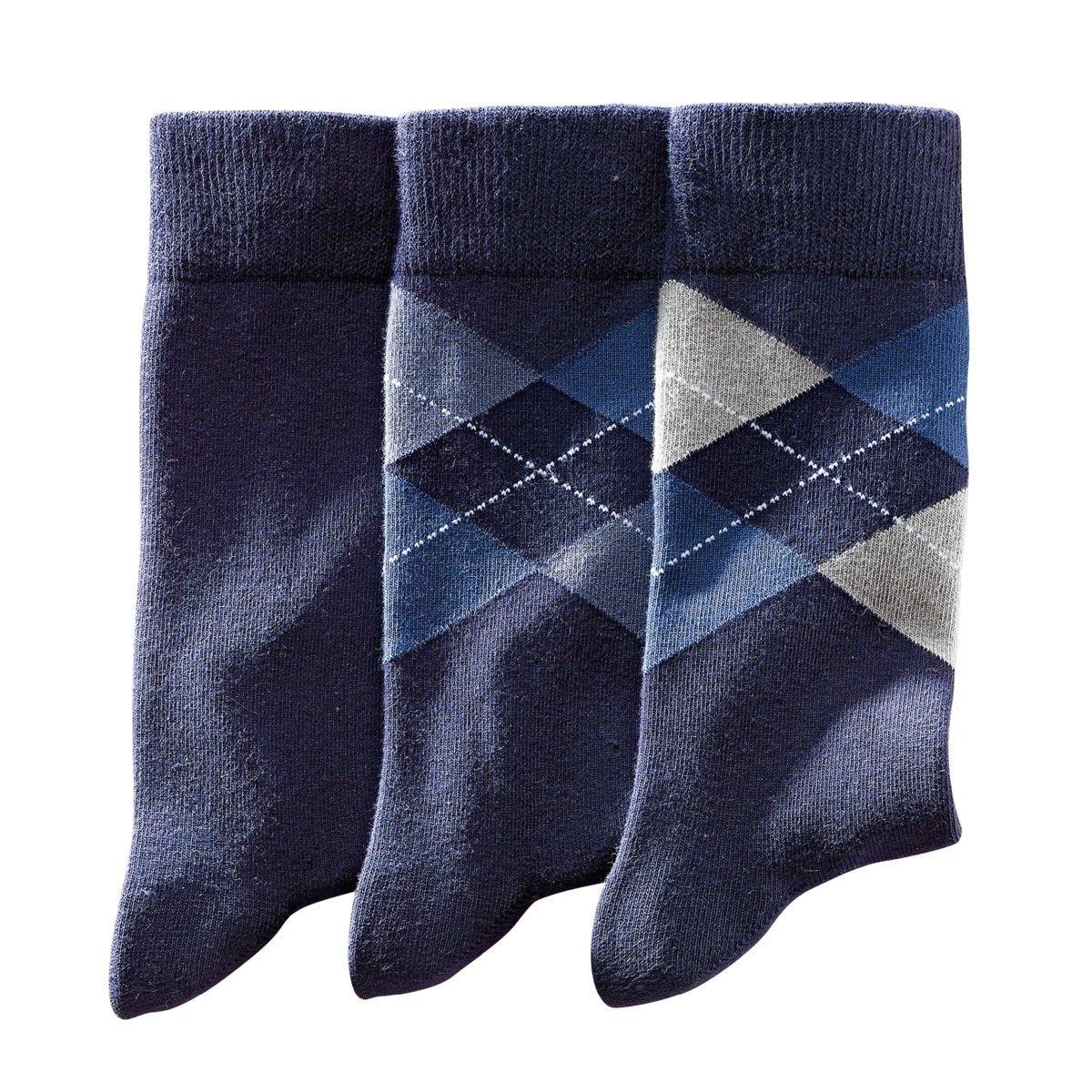3 пары носков1 однотонные + 2 с рисунком ромбы. 73% хлопка, 26% полиамида, 1% эластана. В комплекте 3 пары носков.<br><br>Цвет: синий морской,черный