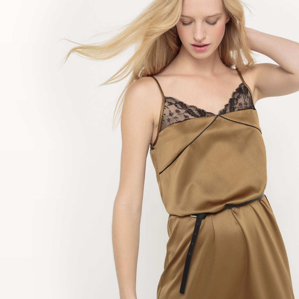 Платье из сатинаПлатье в форме ночной рубашки из сатина. Тонкие бретели. Прямой покрой. Две шлицы внизу по бокам. Кружево сверху и на уровне шлиц . Тонкий контрастный кант, подчеркивающий бюстье .    Состав и описаниеМатериал : 100% полиэстерДлина : 115 смМарка :      R ?ditionУход Машинная стирка при 30 °C в деликатном режиме Стирать с вещами схожих цветовМашинная сушка при умеренной температуре.Глажка при очень низкой температуре<br><br>Цвет: бронзовый<br>Размер: 36 (FR) - 42 (RUS)