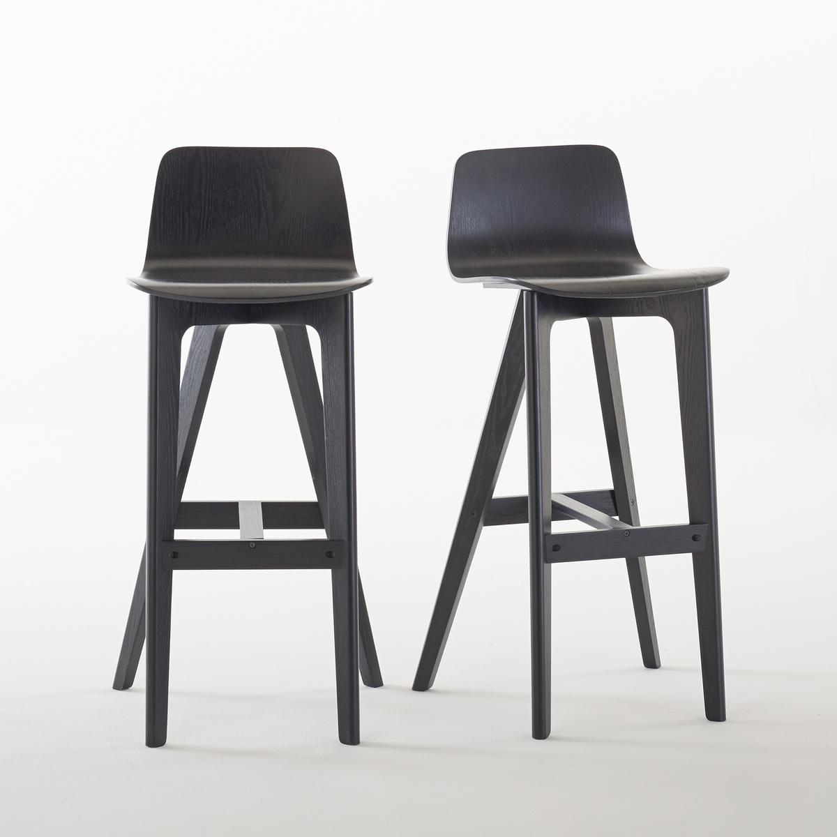 2 стула высоких дизайнерских, BIFACE2 барных дизайнерских стула Biface. Вокруг высокого стола или перед баром 2 высоких стула Biface обеспечивают вам отличную эргономию и модный современный дизайн.Описание высоких дизайнерских стульев Biface :Покрытие лаком позволяет проявить прожилки дерева двух цветов, натурального и черного для современного эффекта.Отличная эргономия.Подставка для ног.Для оптимального качества и устойчивости рекомендуется надежно затянуть болты. Характеристики высоких дизайнерских стульев Biface :Сиденье и ножки из многослойной гевеи, покрытой шпоном ясеня и нитролаком.Откройте для себя другие стулья Biface на сайте laredoute.ruРазмеры стульев Biface :ОбщиеДлина : 43 см.  Высота : 102 смГлубина : 42 см.Сиденье Высота : 78 смДругие модели из коллекции Biface Вы найдете на нашем сайте.Доставка :Стулья продаются в разобранном виде, возможна доставка до квартиры по предварительному согласованию !Внимание ! Убедитесь, что дверные, лестничные и лифтовые проемы позволяют осуществить доставку коробки таких габаритов .Размеры и вес упаковки:1 коробкаШир. 82 x Выс. 54 x Гл. 24 см16,4 кг<br><br>Цвет: серо-бежевый