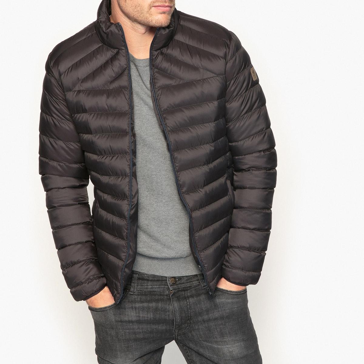 Куртка стеганая короткаяДетали  •  Длина  : укороченная  •  Без воротника  •  Застежка на молнию Состав и уход  •  100% полиамид  •  Следуйте советам по уходу, указанным на этикетке<br><br>Цвет: черный<br>Размер: XXL.XL.L
