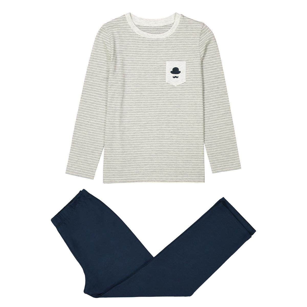 Пижама двухцветная из хлопка, 2-12 летОписание:Двухцветная пижама: футболка в полоску с длинными рукавами и небольшим нагрудным карманом с вышивкой в британском стиле и однотонные брюки.Детали •  Длинные рукава •  Круглый вырез •  Брюки на эластичном поясе Состав и уход •  100% хлопок •  Температура стирки 30° •  Низкая температура глажки •  Машинная сушка на умеренном режиме<br><br>Цвет: серый меланж/темно-синий