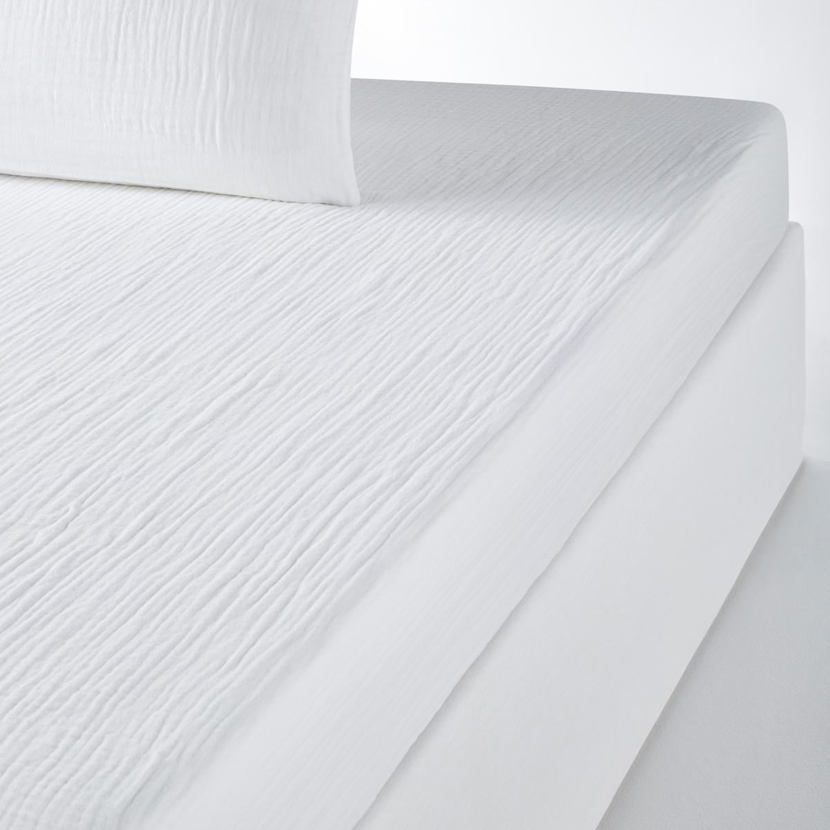 Простыня натяжная однотонная из газовой ткани из хлопка - SNOWОписание:Хлопчатобумажная газовая ткань, новый легкий и очень мягкий на ощупь материал . Естественный жатый эффект, простой в уходе и не требует глажки .     Стойкая к стиркам ткань, которая со временем становится мягче и нежнее. Очень актуальная расцветка. Натяжная простыня из газовой ткани, 100% хлопок. Прекрасно сохраняет цвет после нескольких стирок (60°).         Характеристики однотонной натяжной простыни - SNOW:        - Клапан 30 см для широких матрасов.        Знак Oeko-Tex® гарантирует, что товары прошли проверку и были изготовлены без применения вредных для здоровья человека веществ.          Изделие приобретёт свою форму после сушки.        Найдите все постельное белье по ключевомму слову SNOW           Натяжная простыня:      •  90 x 190 : 1-сп . •  140 x 190 см: 2-сп. •  160 x 200 : 2-сп. •  180 x 200 : 2-сп. Великолепная палитра очень современных цветов .<br><br>Цвет: темно-серый<br>Размер: 90 x 190  см