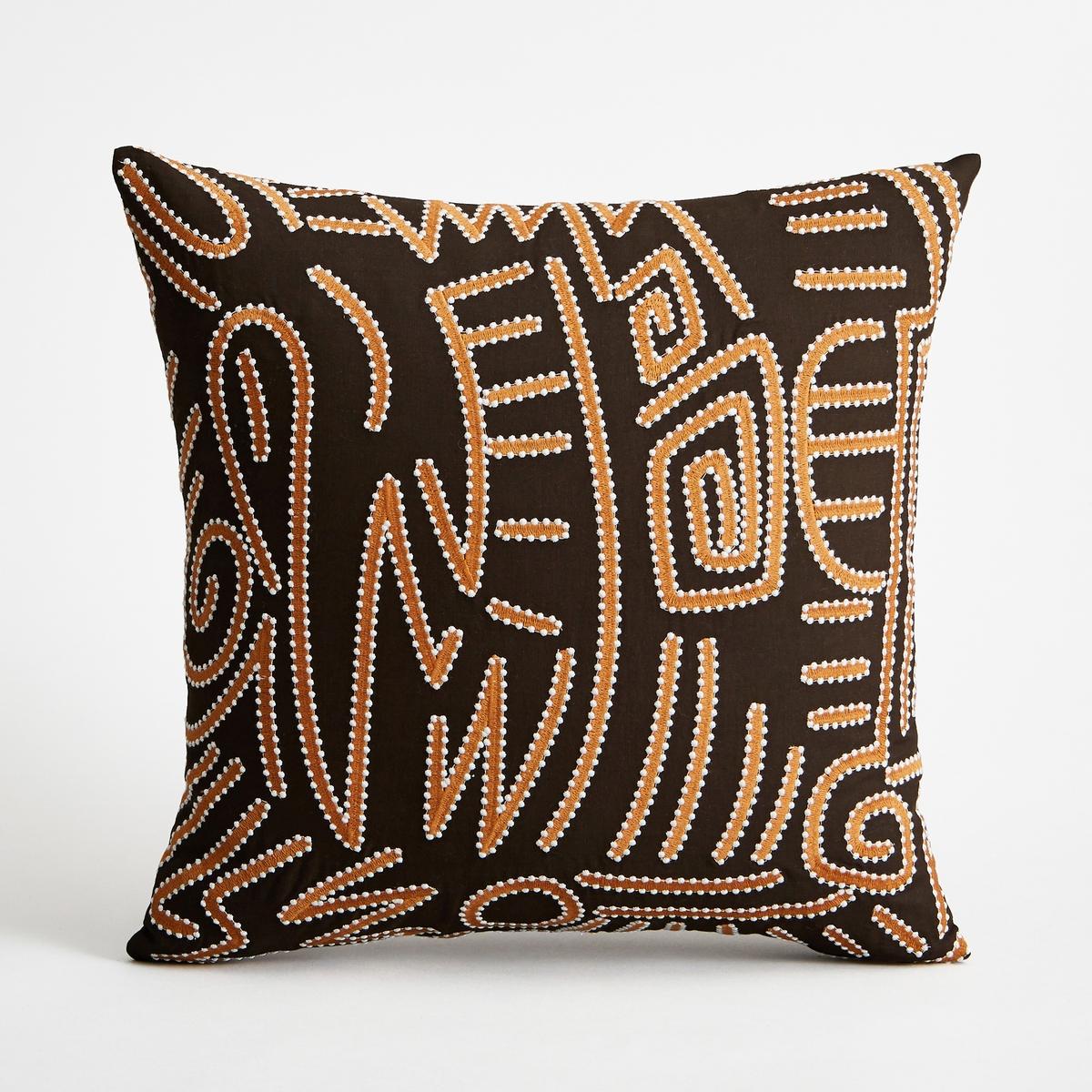 Чехол для подушки MAKURIЧехол для подушки Makuri с орнаментом в стиле рисунков аборигенов. Лицевая сторона с вышивкой, оборотная сторона однотонная, чёрного цвета. Застежка на молнию.Состав:- 100% хлопок на подкладке.- Машинная стирка при 30 °С.Размеры :- 45 x 45 см.Подушка продается отдельно на сайте.<br><br>Цвет: черный