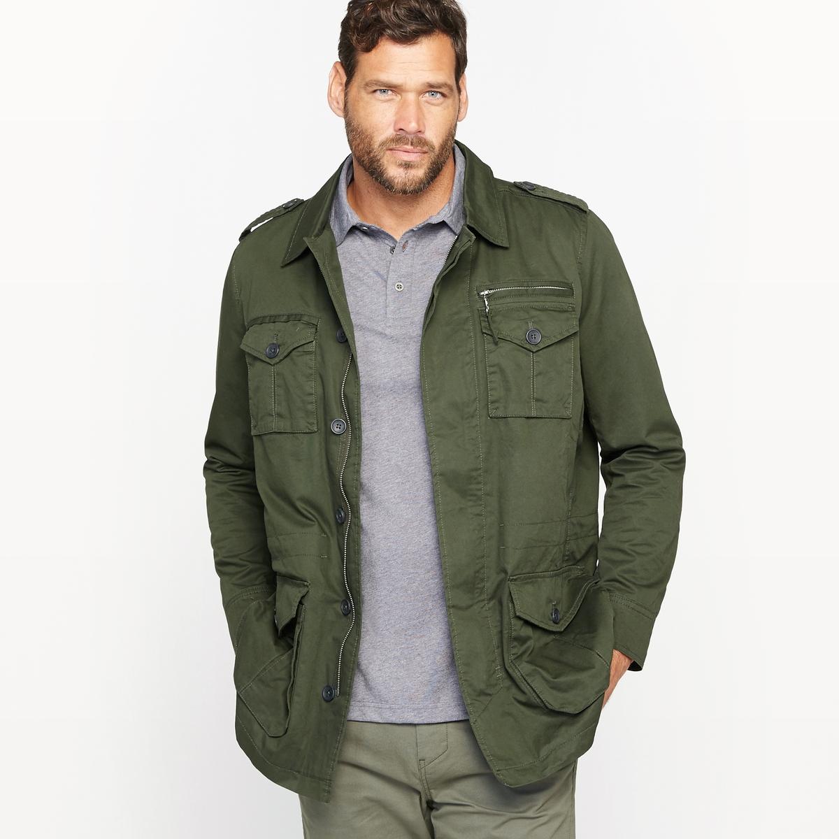 Куртка в стиле милитариКуртка в стиле милитари. Незаменимая вещь в летнем гардеробе ! Плотный текстиль, 100% хлопка, на подкладке из 100% хлопка. Длина 83 см . Супатная застежка на молнию и пуговицы. Планки с пуговицами на плечах. 2 нагрудных кармана и 2 кармана с клапанами на пуговице снизу спереди . Манжеты с застежкой на пуговицу. Пояс на кулиске.<br><br>Цвет: зеленый милитари,темно-бежевый<br>Размер: 54/56.62/64