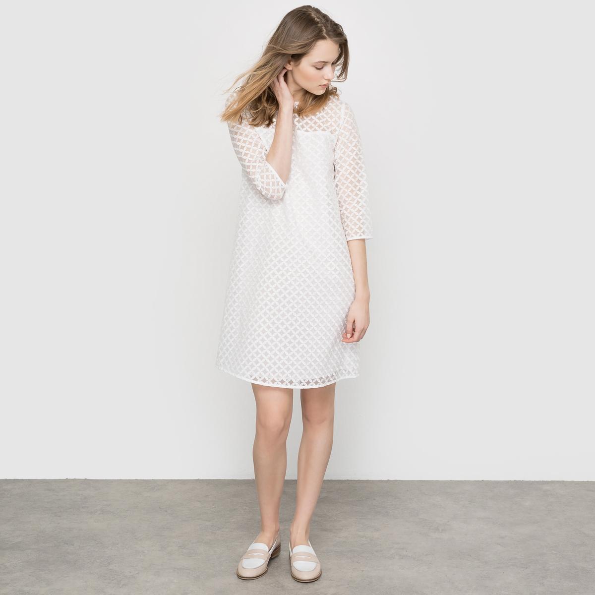 Платье из двух материалов с кружевом