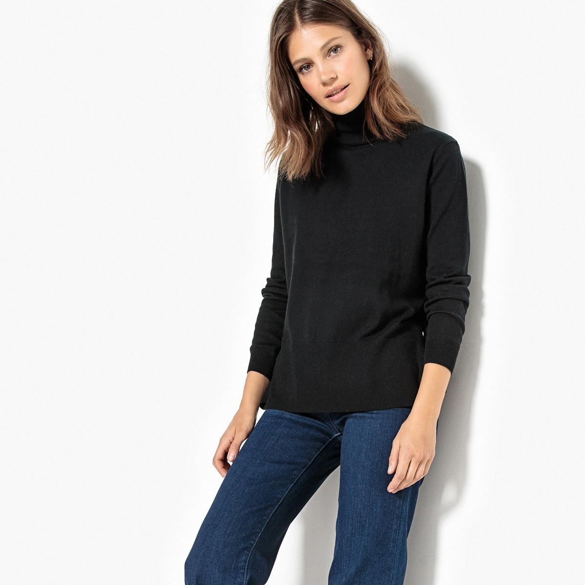 Пуловер-водолазка с разрезами по бокам