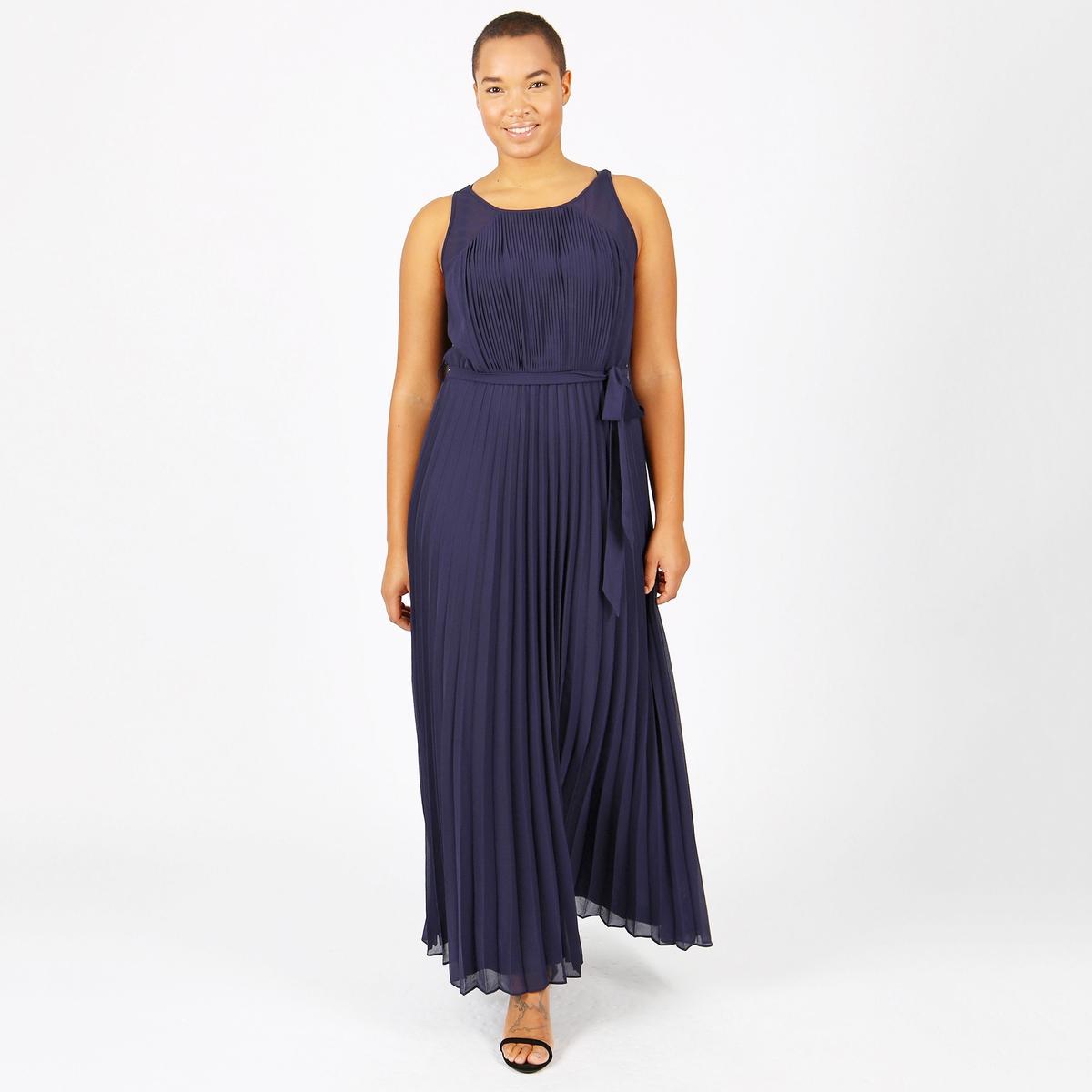 Платье однотонное длинное с плиссировкой без рукавов