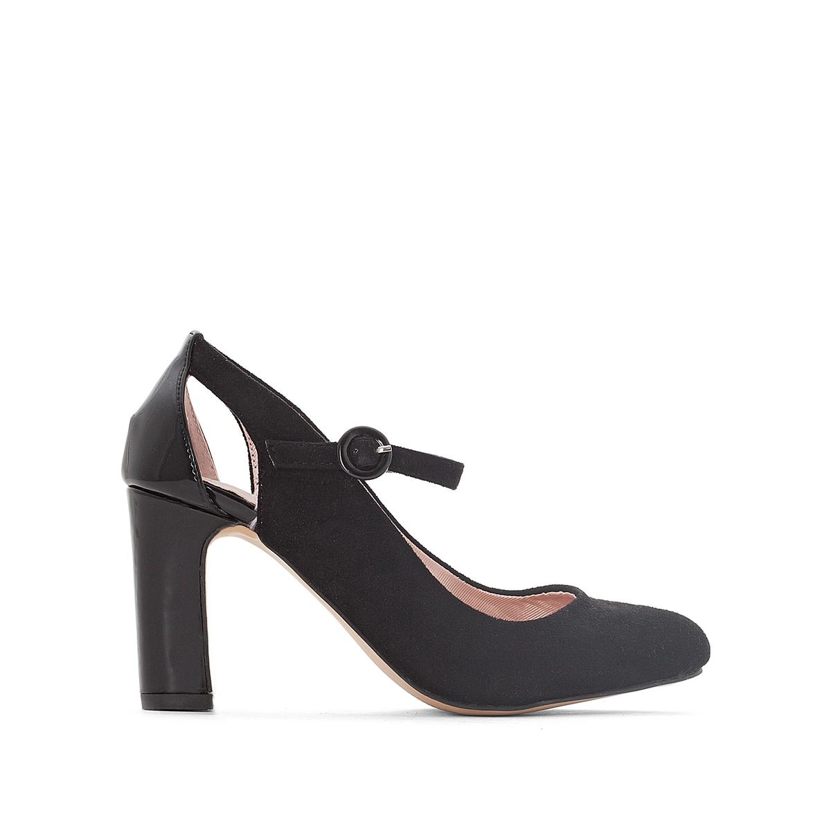 Туфли на каблуке с прорезями