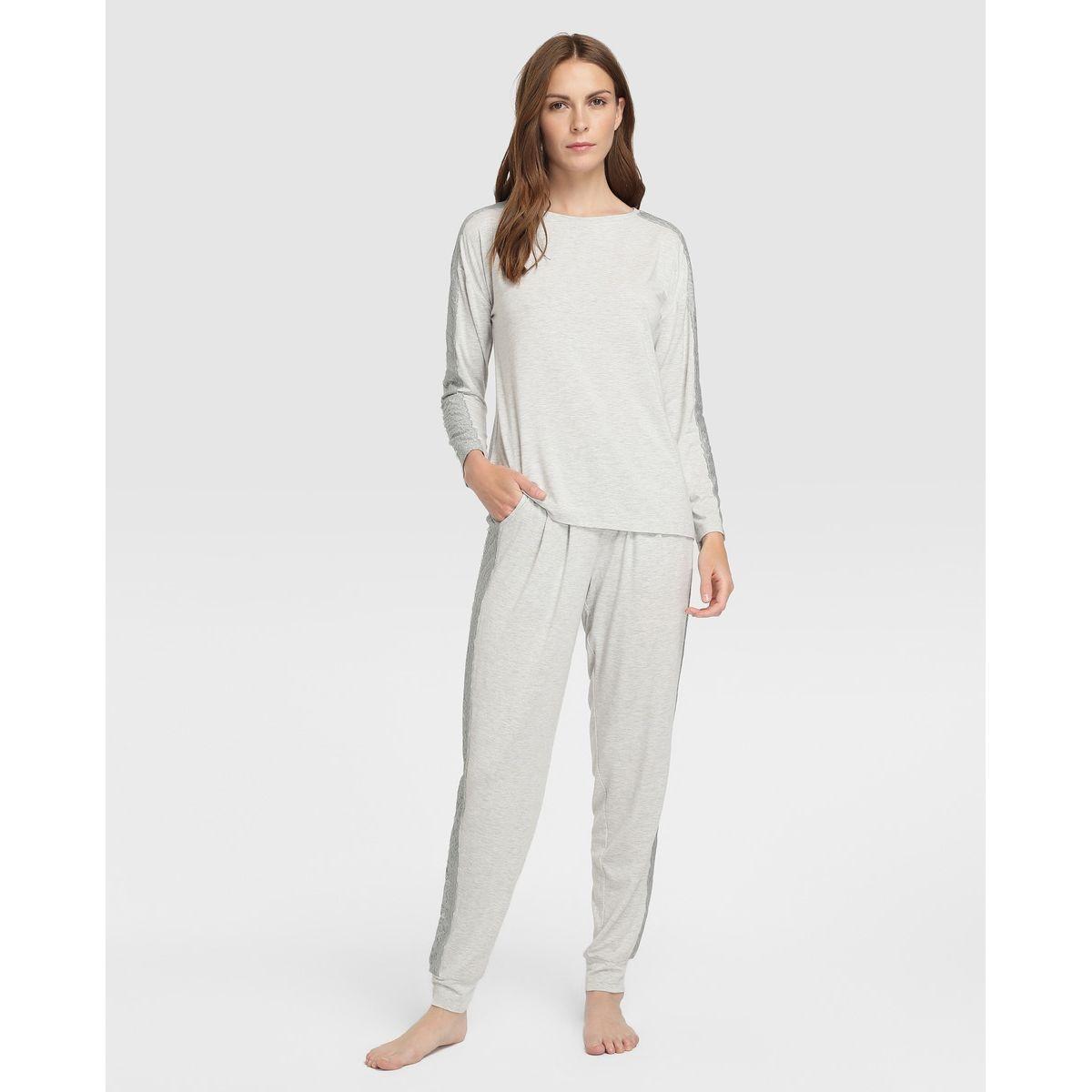 Pyjama à dentelle