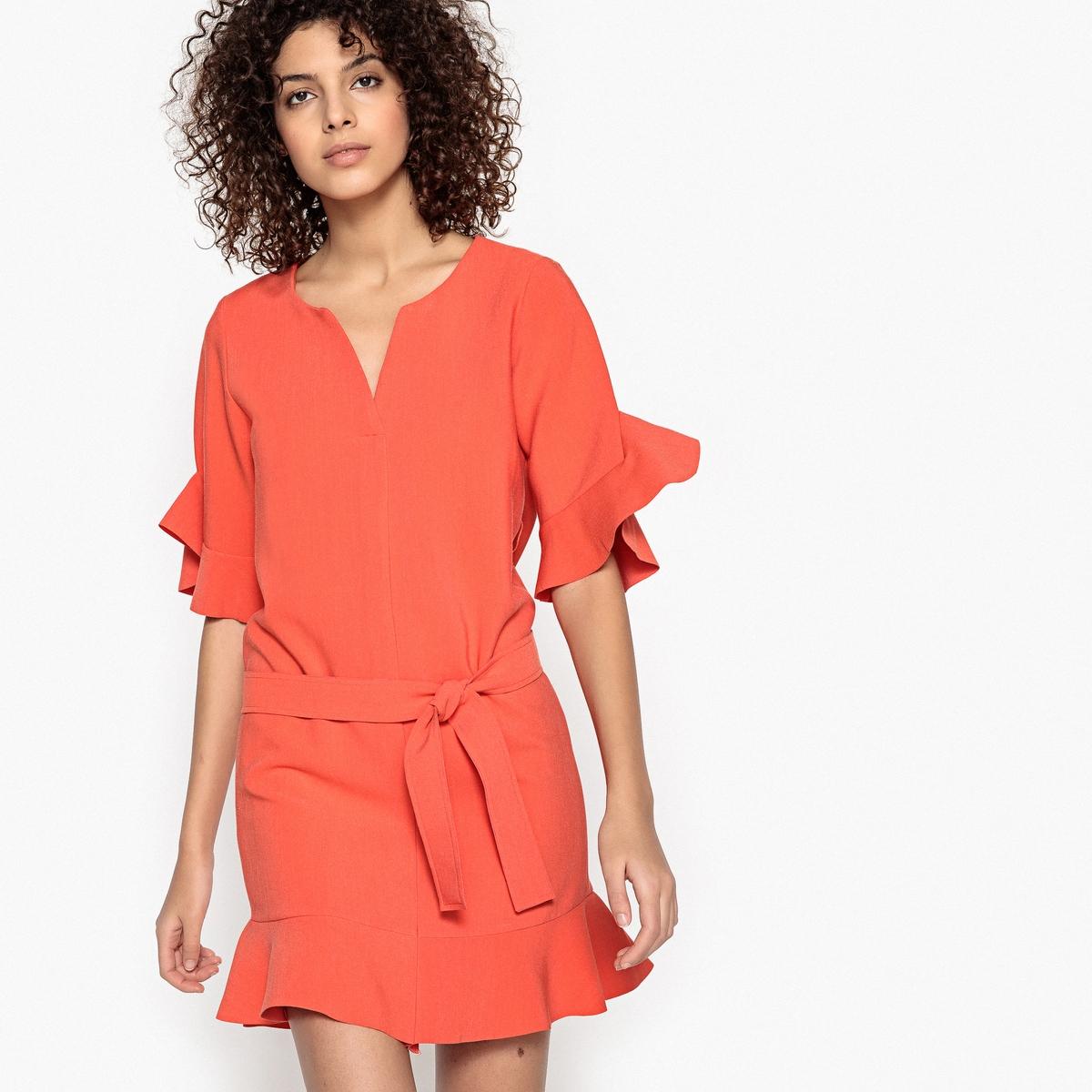 Платье короткое с воланами CALLISTEДетали •  Форма : прямая •  Укороченная модель •  Короткие рукава    •   V-образный вырезСостав и уход •  23% вискозы, 6% эластана, 71%полиэстера  •  Следуйте рекомендациям по уходу, указанным на этикетке изделия<br><br>Цвет: коралловый