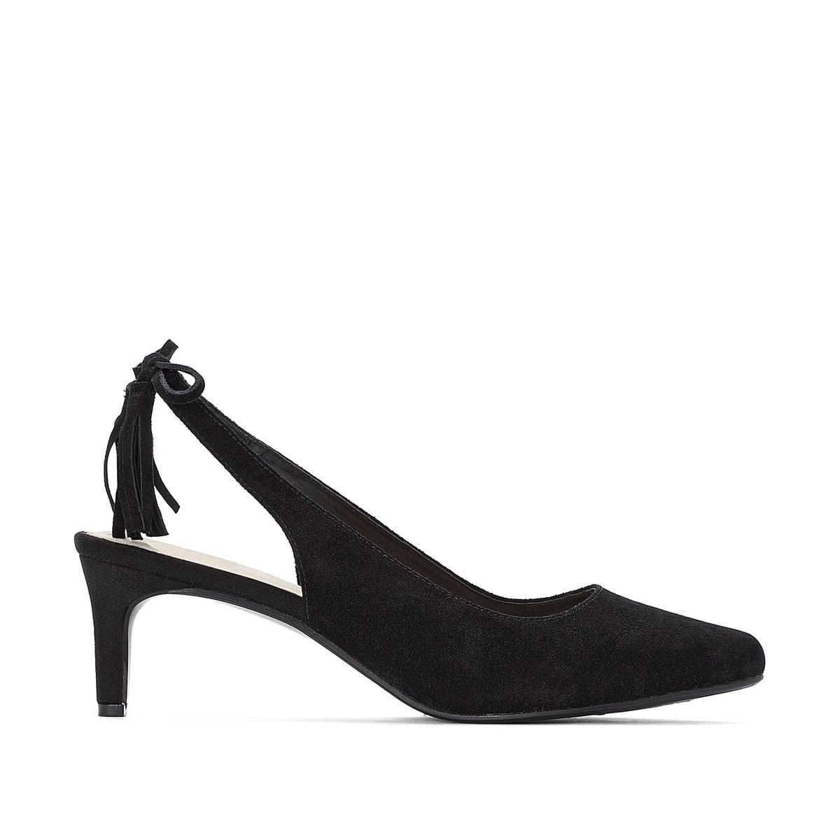 Sapatos biqueira pontiaguda e borla, pé largo, do 38 ao 45