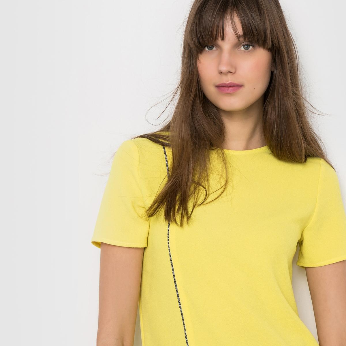 Платье с контрастной бейкой. Короткие рукаваПлатье 98% полиэстера, 2% эластана . Платье Круглый вырез Короткие рукава Отделка контрастной бейкой спереди Вырез-капелька на спинке Заниженная талия Длина 90 см<br><br>Цвет: желтый<br>Размер: 38 (FR) - 44 (RUS)