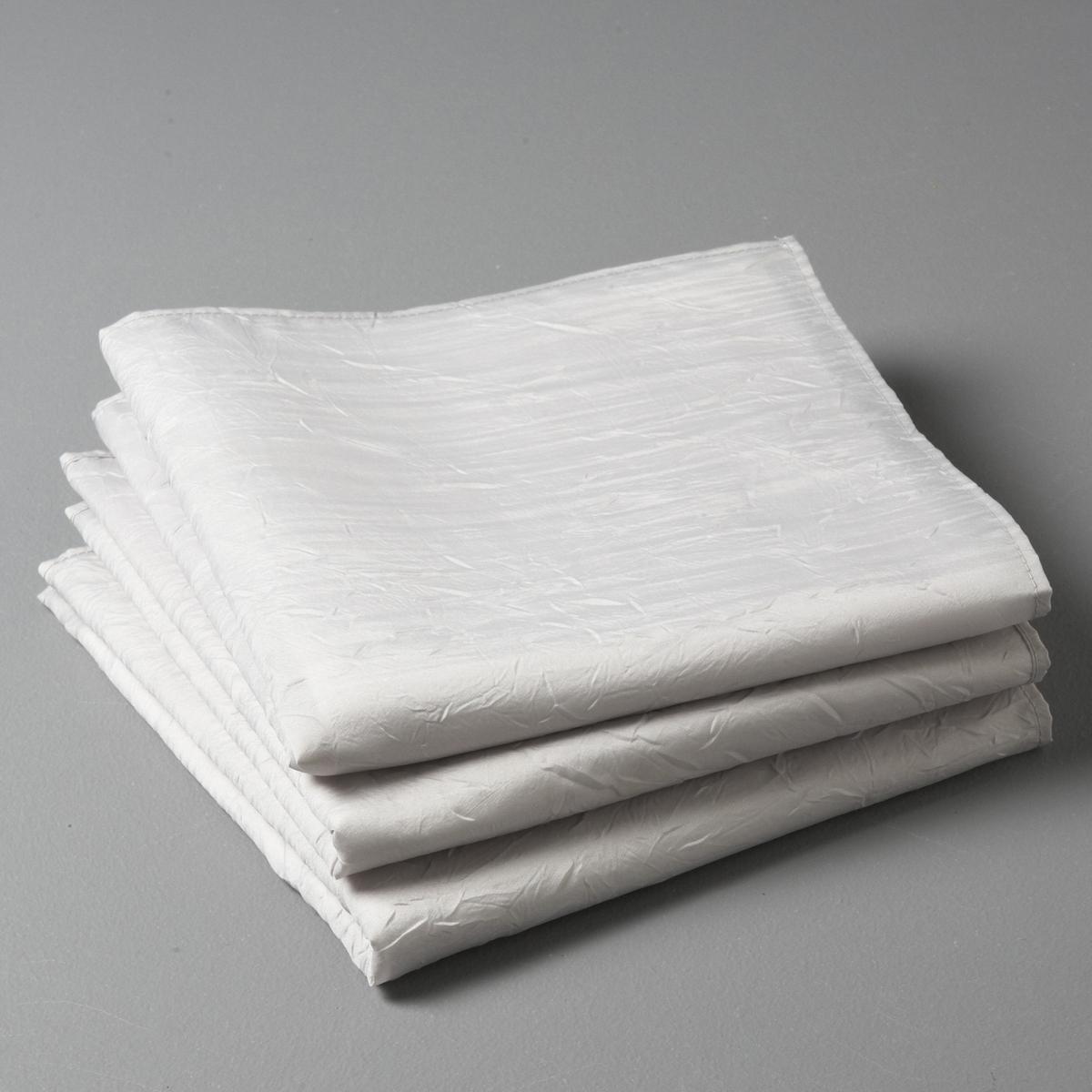 3 салфетки CeryasСалфетки Ceryas из шелковистой ткани с жатым эффектом: Простая в уходе ткань: быстро сохнет, не нужно гладить. Описание салфеток на стол:- Салфетки на стол из шелковистой ткани с жатым эффектом, 100% полиэстера.- Стирка при 40°, быстро сохнет, не нужно гладить.- Размеры: 45 x 45 см.<br><br>Цвет: антрацит,белый,красный,серо-коричневый каштан,Серо-синий,серый,экрю<br>Размер: 45 x 45  см.45 x 45  см.45 x 45  см.45 x 45  см
