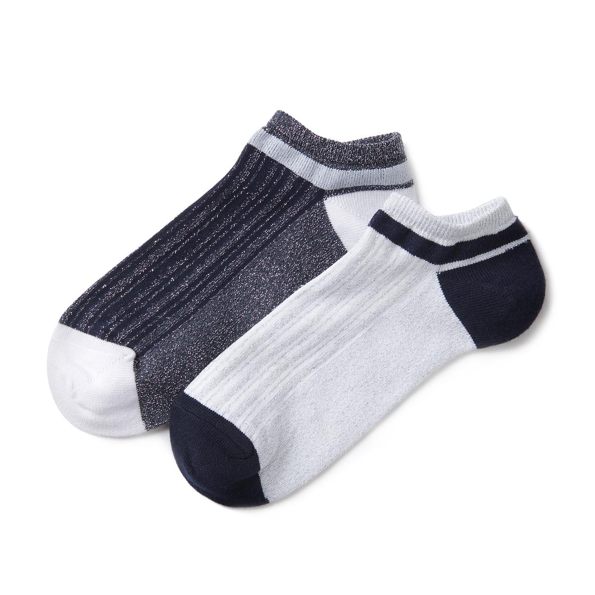 Комплект из 2 пар носковКомплект из 2 пар двухцветных носков с блестящим эффектом . Детали •  5 пар двухцветных носков с блестящим эффектом .Состав и уход • 76% хлопка, 23% полиамида, 1% эластана   • Машинная стирка при 30°, на умеренном режиме     • Стирать с вещами подобного цвета<br><br>Цвет: темно-синий/ белый<br>Размер: 38/41