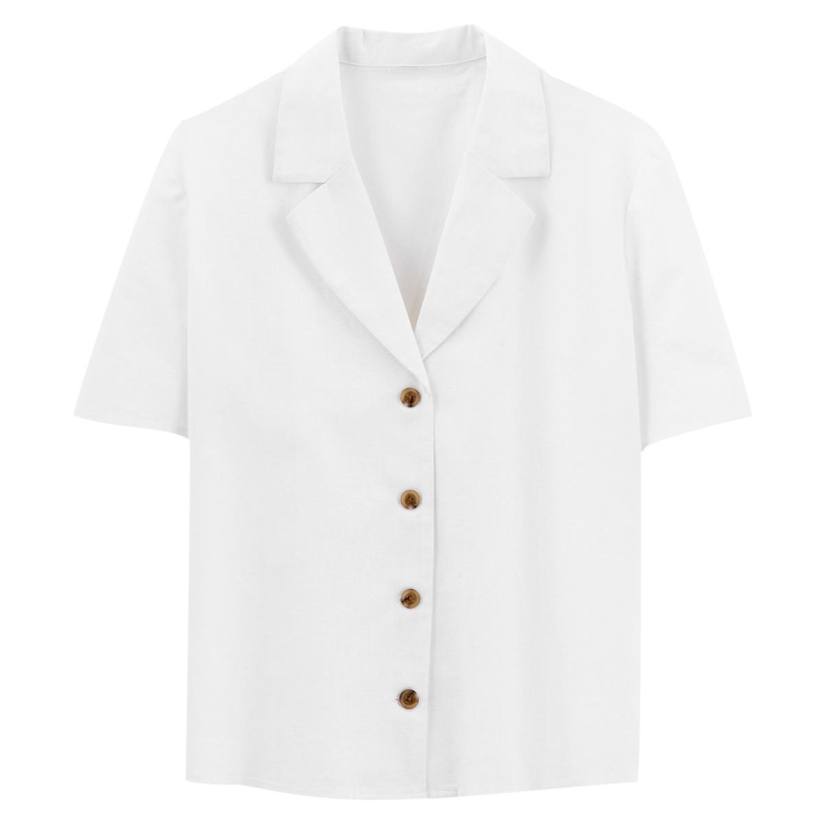 Camisa com gola de alfaiate, mangas curtas