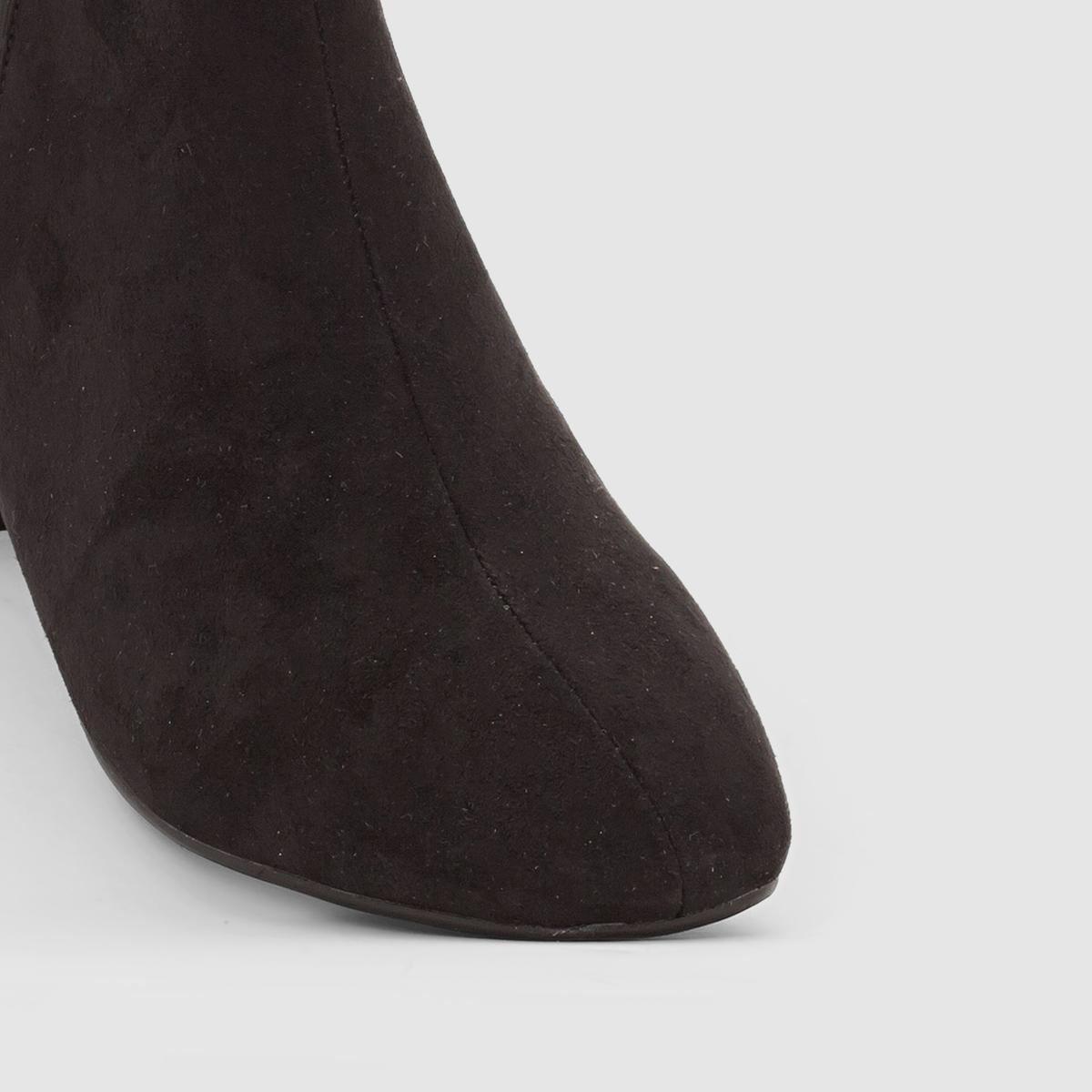 Ботильоны на каблукеМарка : CASTALUNA.Подходит : для широкой стопы.Верх : искусственная замша .Подкладка : кожа..Стелька : кожа..Подошва : из эластомера.Каблук :  4,5 см .Застежка : на молнии .Неоспоримые плюсы : Легко сочетаются с любой одеждой<br><br>Цвет: черный<br>Размер: 41.40