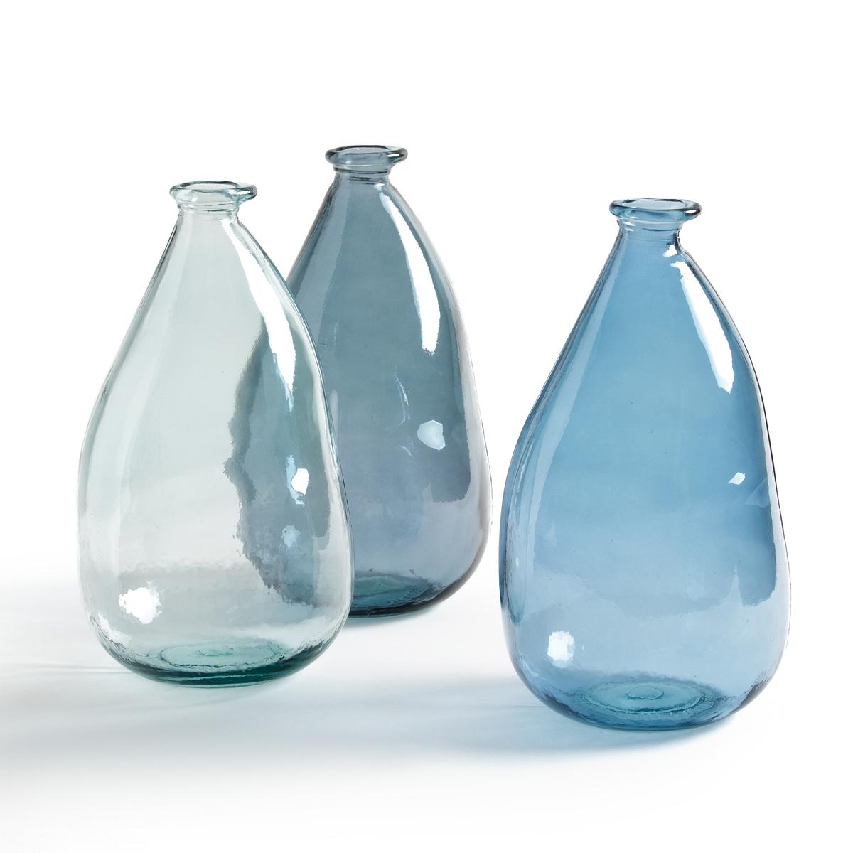 Ваза-бутыль IZOLIAНовая версия с чертами ручной работы .Внесет в ваш интерьер винтажную нотку .Характеристики вазы-бутыли Izolia :Из вторично переработанного стекла, видоизмененная форма .Размеры вазы-бутыли Izolia : - Высота : 36 см.- ? 20 см .Найдите нашу коллекцию IZOLIA а также предметы декора на нашем сайте.<br><br>Цвет: стеклянный крашеный,темно-синий<br>Размер: единый размер.единый размер