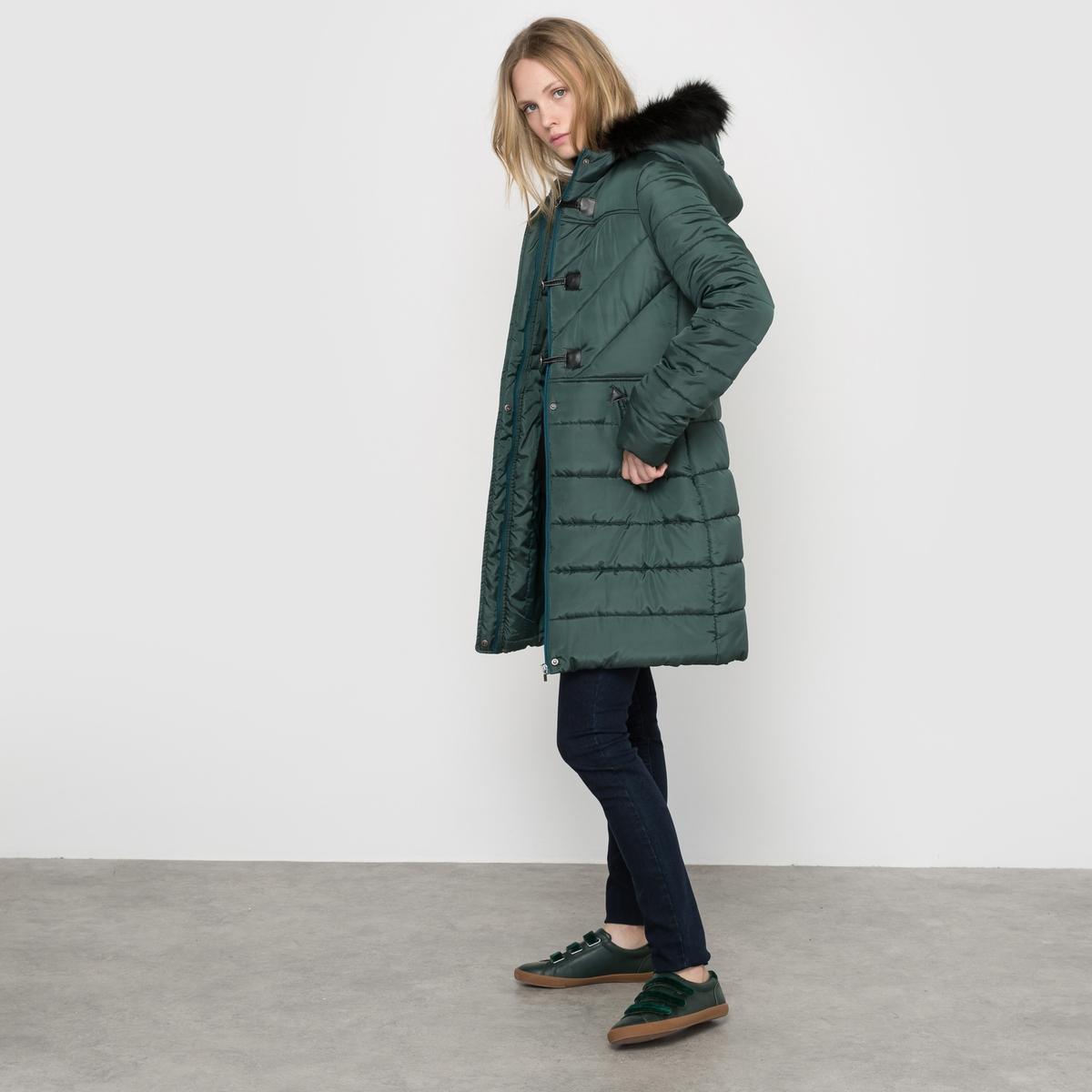 Куртка стеганая длинная с капюшономСостав и описаниеМарка :      R ?ditionМатериал :  100% полиэстер. Наполнитель 100% полиэстер. Искусственный мех  : 91% акрила, 5% полиэстера, 4% модифицированного акрилаУход :Машинная стирка при 30 °C с вещами схожих цветов<br><br>Цвет: черный