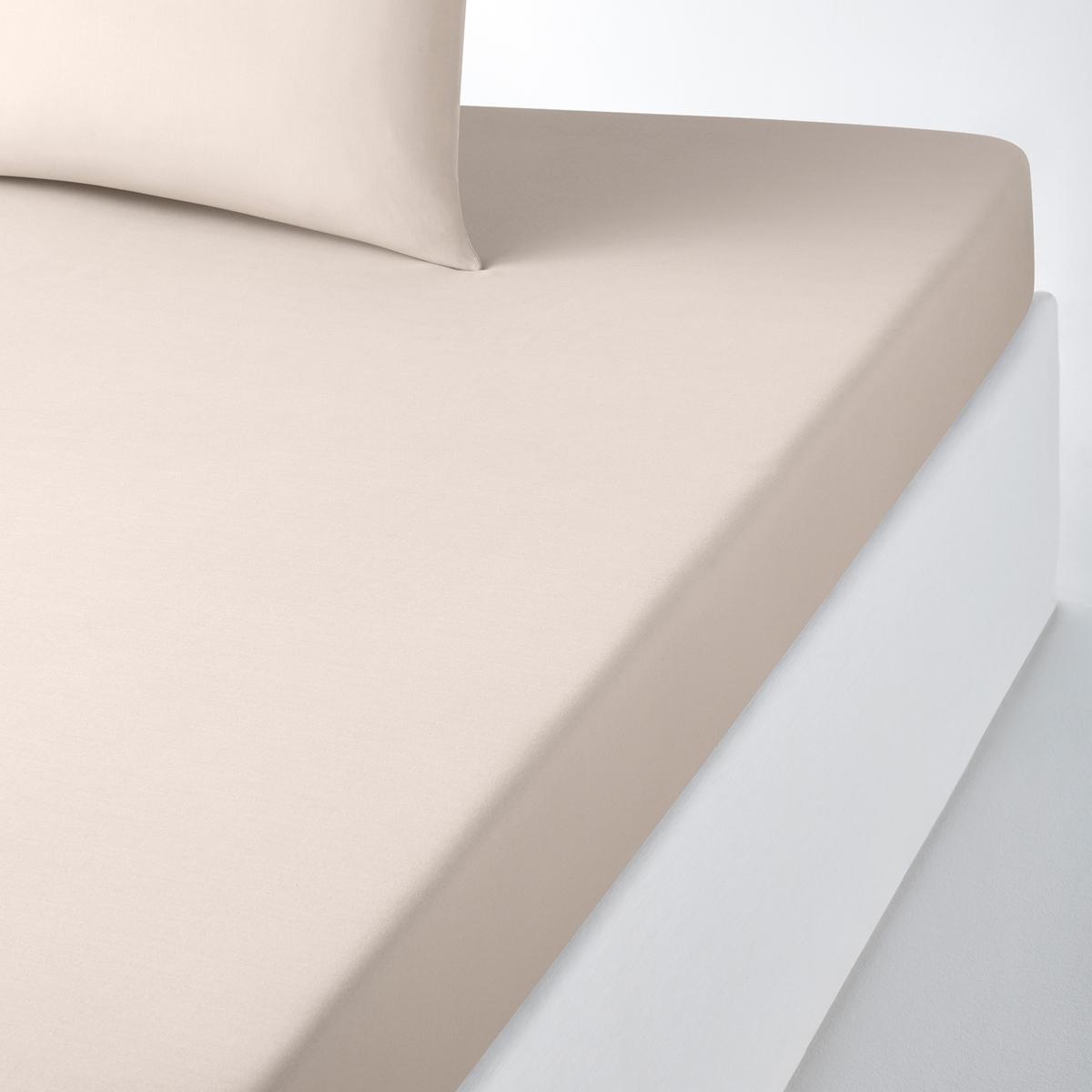 Простыня натяжная из полихлопка на стандартный матрасНатяжная простыня из полихлопка, 50 % хлопка, 50 % полиэстера, ткань с плотным переплетением нитей, ультранежная и плотная. 25-сантиметровый клапан (для матрасов шириной до 23 см). Яркая гамма цветов позволяет создать оригинальный комплект помтельного белья SCENARIO.Плотное плетение нитей ткани: 57 нитей/см?. Чем больше нитей/см?, тем выше качество материала.Превосходная стойкость цвета при стирке 60°. Быстро сохнет, не нужно гладить.Производство осуществляется с учетом стандартов по защите окружающей среды и здоровья человека, что подтверждено сертификатом Oeko-tex®.Натяжная простыня:80=&gt; 80x190 см: 1-сп.90=&gt; 90x190 см: 1-сп.95=&gt; 90x200 см: 1-сп.120=&gt; 120x190 см: 1-2-сп.140=&gt; 140x190 cм: 2-сп.145=&gt; 140x200 см: 2-сп.160=&gt; 160x200 см: 2-сп.180=&gt; 180x200 см: ?2-сп.Ищите комплект постельного белья SC?NARIO на нашем сайте.<br><br>Цвет: антрацит,белый,бледный сине-зеленый,бордовый,вишневый,голубой бирюзовый,желтый горчичный,желтый солнечный,зеленый,нежно-розовый,розовое дерево,розовый,светло-бежевый,серо-коричневый каштан,Серо-синий,серый жемчужный,сине-зеленый,смородиновый,фиолетовый,че<br>Размер: 140 x 200  см.140 x 200  см.90 x 190  см.140 x 200  см.90 x 200  см.90 x 190  см.160 x 200  см.80 x 190  см.90 x 200  см.180 x 200  см.90 x 200  см.120 x 190  см.120 x 190  см.140 x 200  см.180 x 200  см.90 x 200  см.80 x 190  см.90 x 190  см.90 x 200  см.160 x 200  см.160 x 200  см.140 x 200  см.90 x 190  см.180 x 200  см.140 x 200  см.80 x 190  см.160 x 200  см.90 x 200  см.160 x 200  см.140 x 190  см.140 x 190  см.120 x 190  см.140 x 190  см.180 x 200  см.80 x 190  см