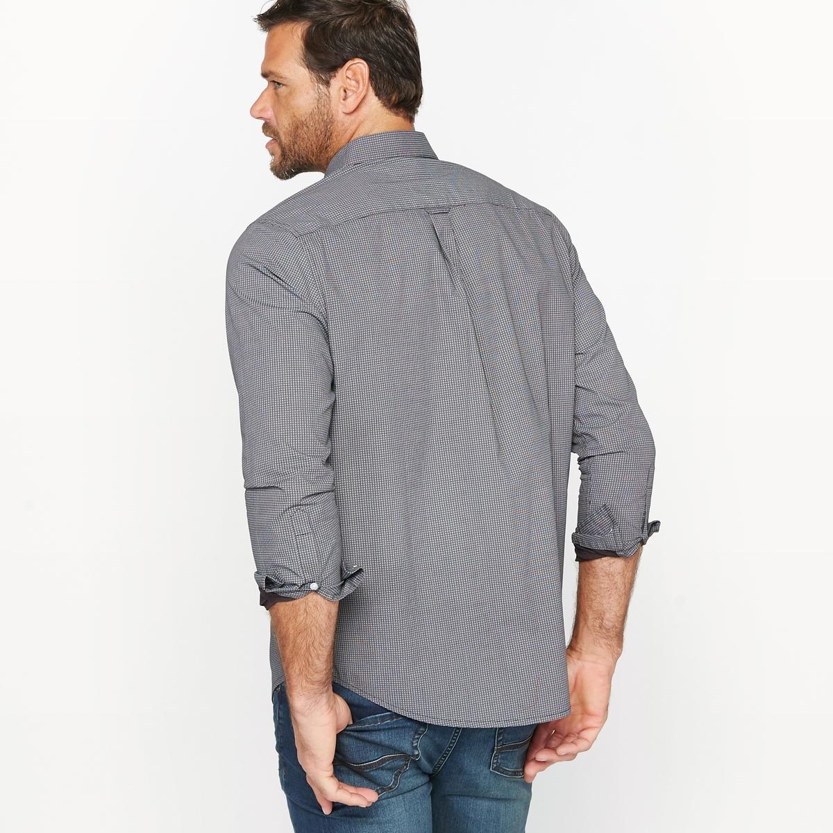Рубашка с рисункомРубашка с мелким геометрическим узором и длинными рукавами.Удобный покрой.Воротник со свободными уголками.1 нагрудный карман.Вставка сзади со складкой для большего комфорта и петлей-вешалкой.Слегка закругленный низ.Материал : Поплин из 100% хлопка. Длина передней части от 83 до 90 см в зависимости от размера.Марка : CASTALUNA FOR MEN.Уход : Машинная стирка при 30 °C.<br><br>Цвет: черный<br>Размер: 49/50.51/52