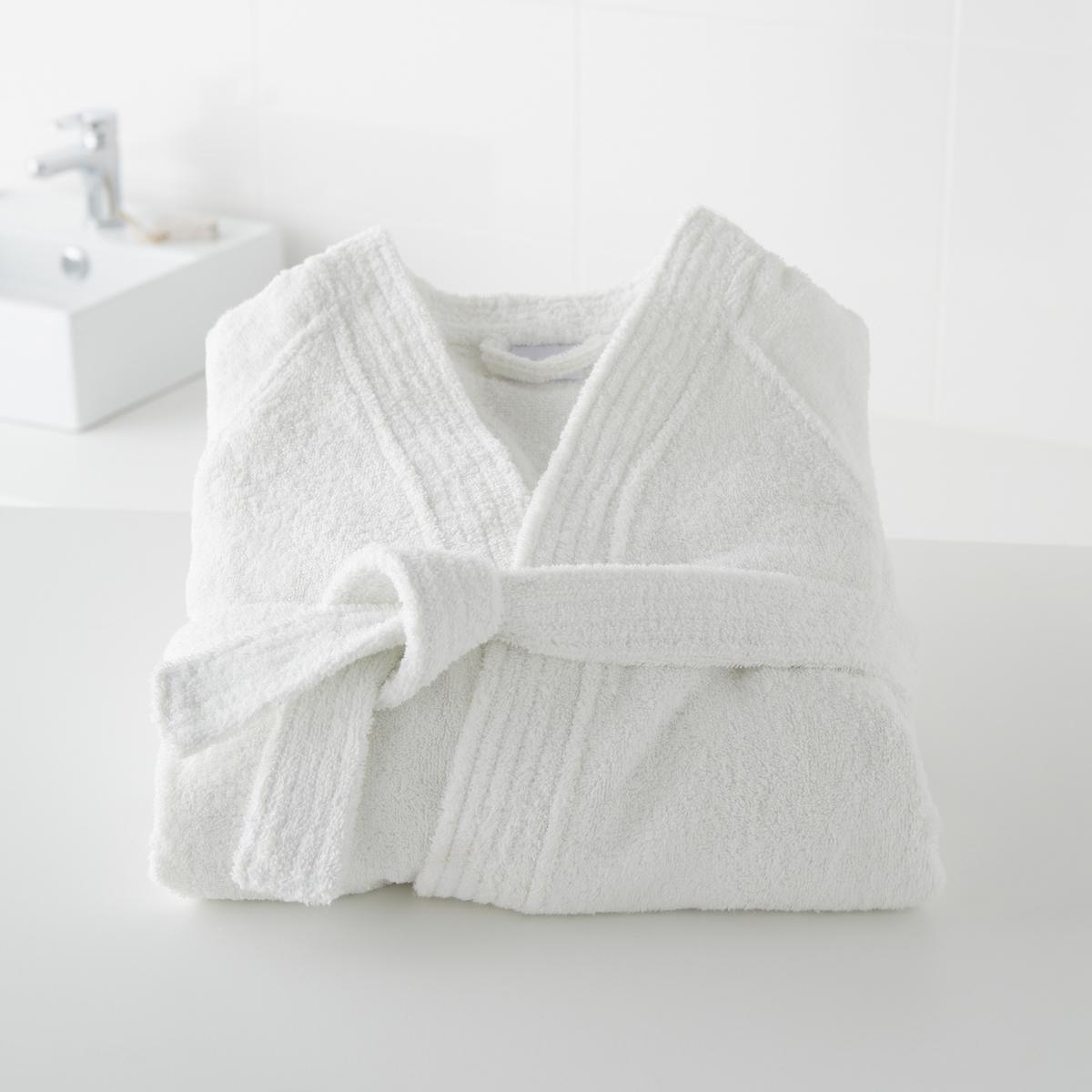 Халат с воротинком-кимоно 450 г/м?, качество BestОписаие халата:Хлопковый махровый материал высочайшего качества (450 г/м?).Рукава-реглан, 2 накладных кармана, пояс со шлевками.Длина 110 - 113 см.<br><br>Цвет: белый,зелено-синий,розовая пудра,светло-синий,Серо-синий,синий морской,темно-серый,фиолетовый<br>Размер: 38/40 (FR) - 44/46 (RUS).38/40 (FR) - 44/46 (RUS).38/40 (FR) - 44/46 (RUS).50/52 (FR) - 56/58 (RUS).38/40 (FR) - 44/46 (RUS).42/44 (FR) - 48/50 (RUS).50/52 (FR) - 56/58 (RUS).42/44 (FR) - 48/50 (RUS).34/36 (FR) - 40/42 (RUS).46/48 (FR) - 52/54 (RUS).50/52 (FR) - 56/58 (RUS)